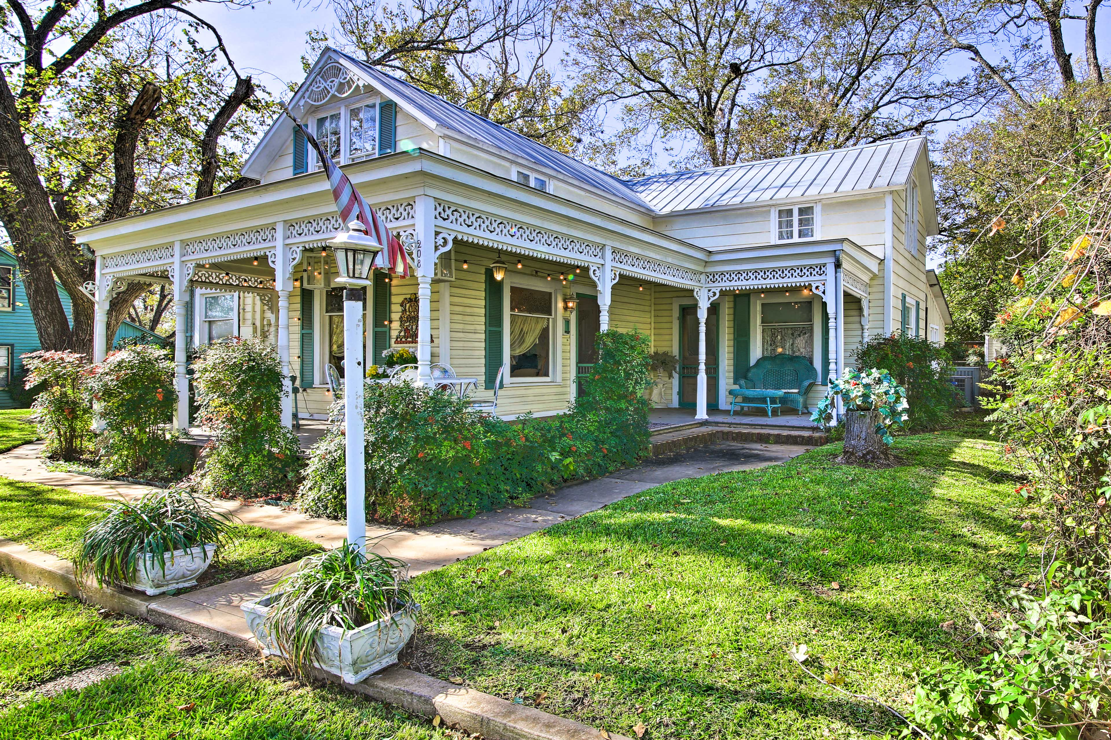 Fall in love with '1981 Grape Arbor House' in Fredericksburg.