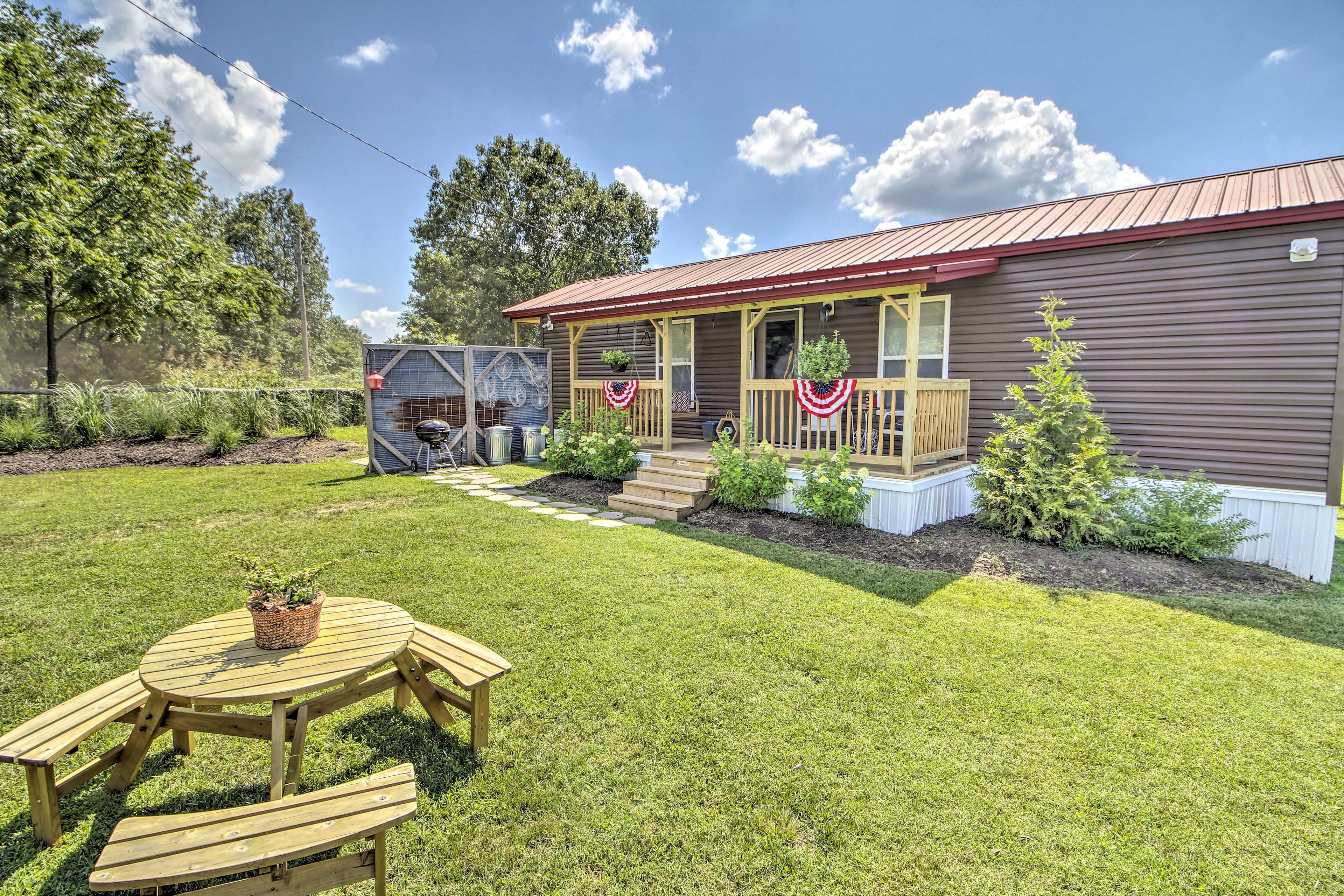 'Valley View Cabin' boasts 1 bedroom and 1 bathroom.