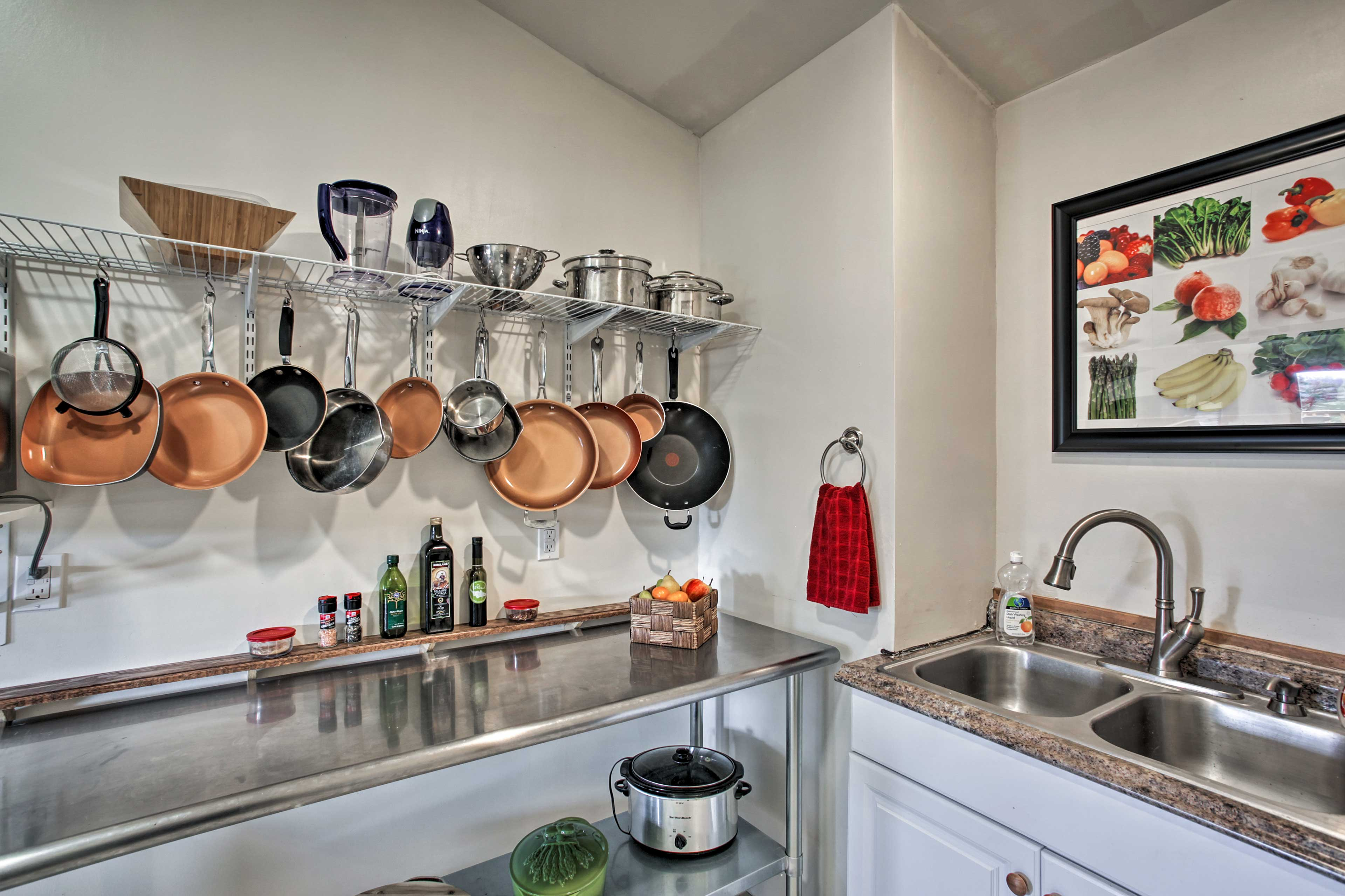 There's an abundance of pots and pans for you to use!