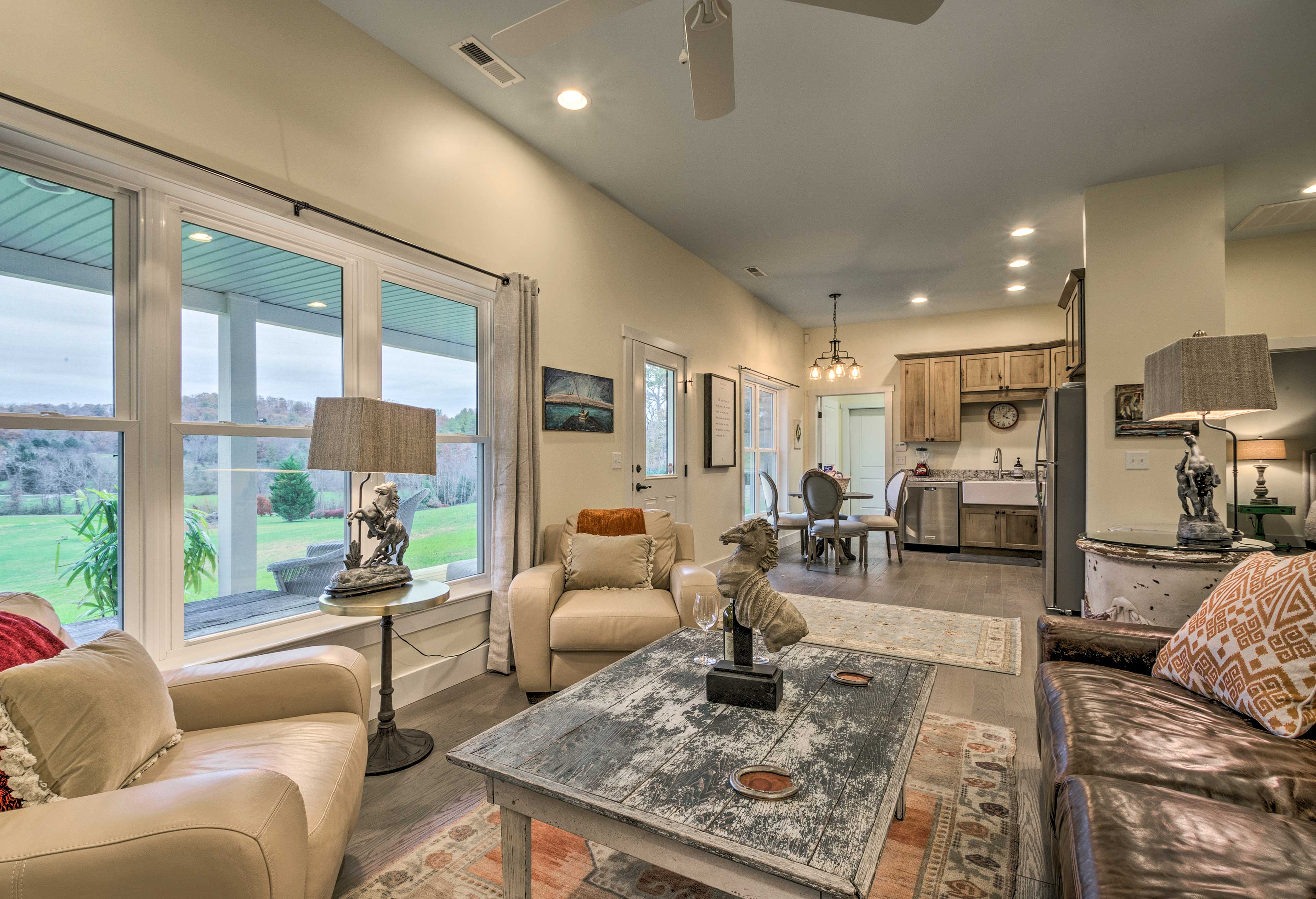 The open floor concept makes it easy to entertain everyone!