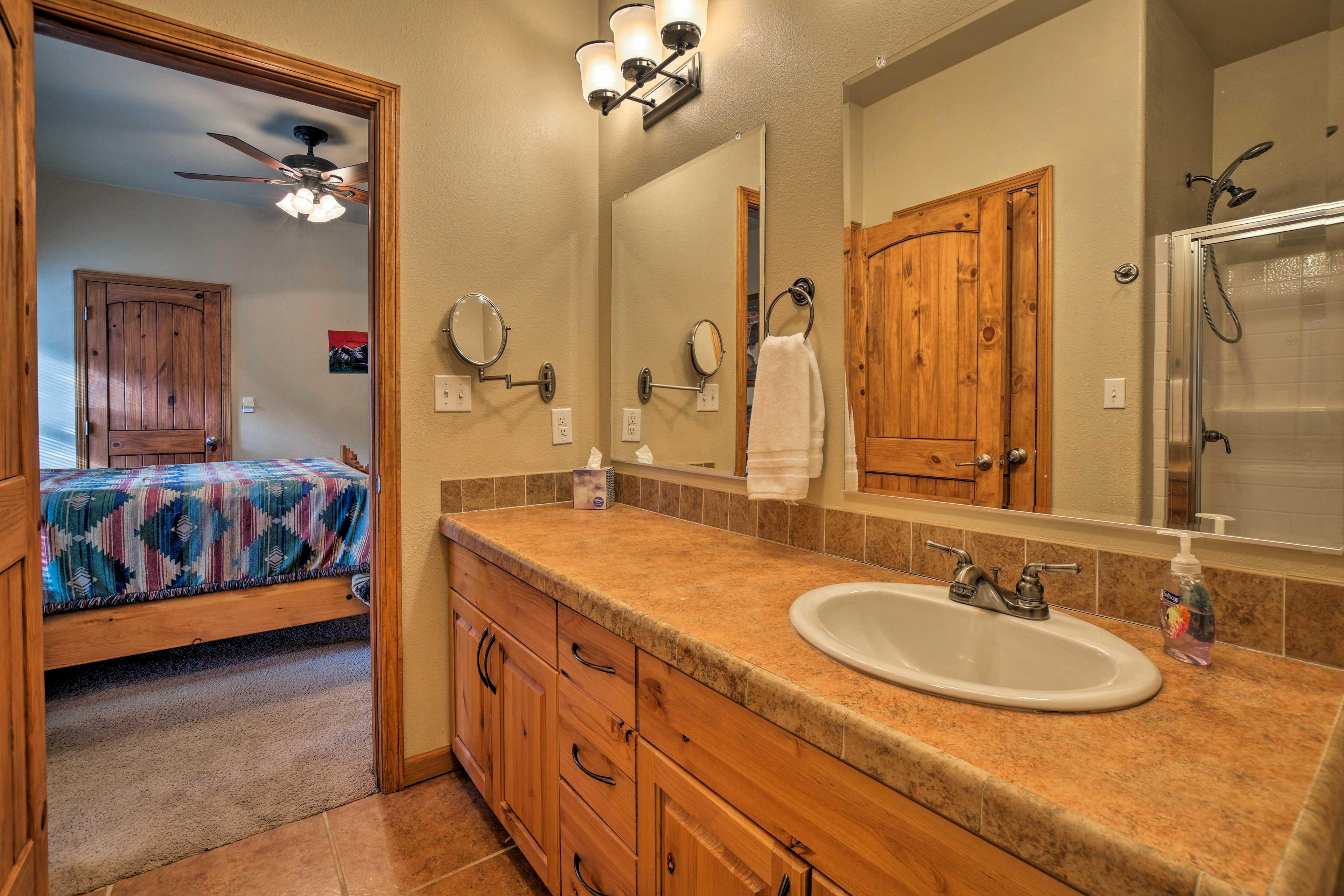 Enjoy the convenience of an en-suite bath.