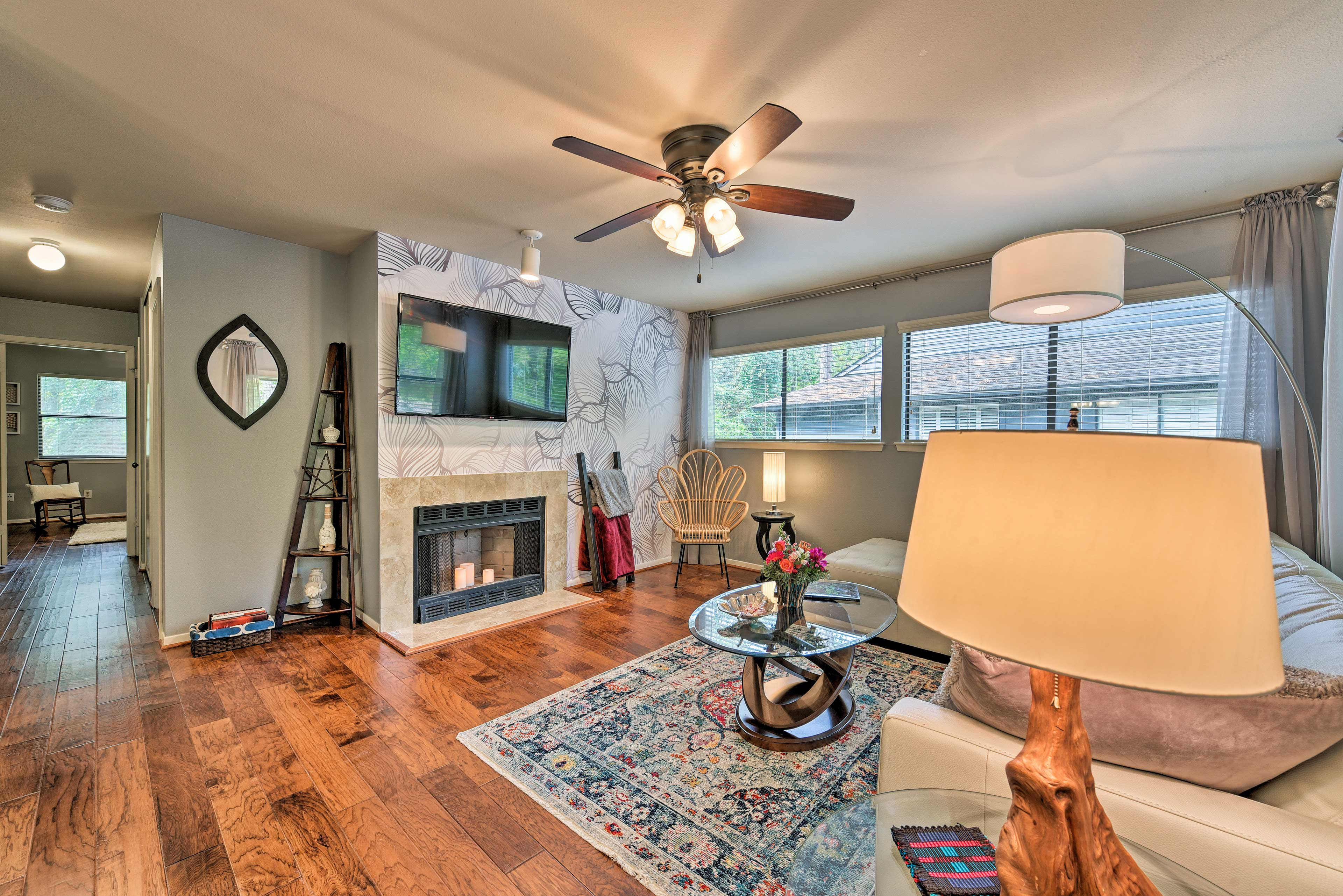 Living Room | Central A/C & Heating