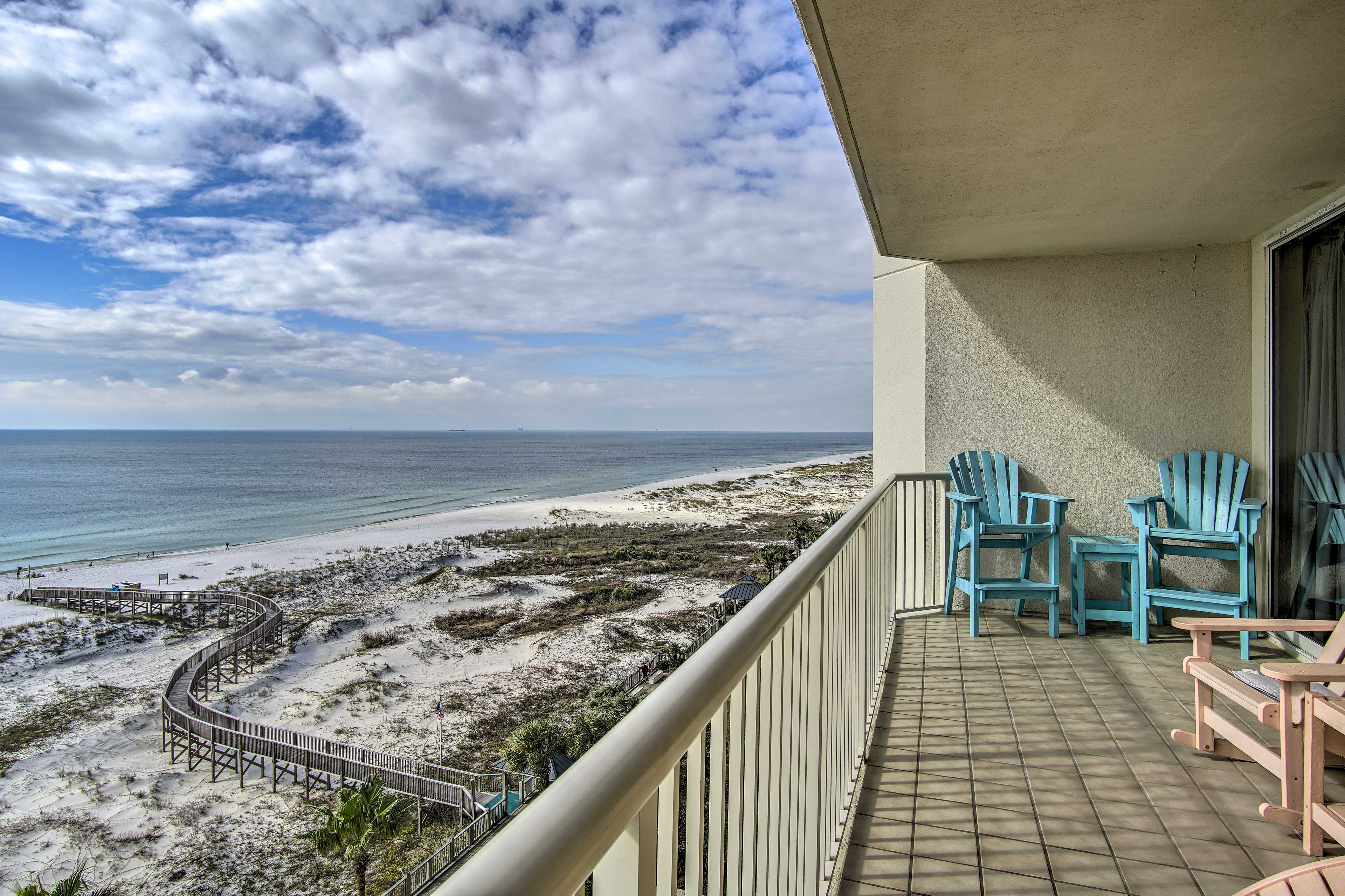 Fall in love with Gulf Shores from this luxury vacation rental condo!