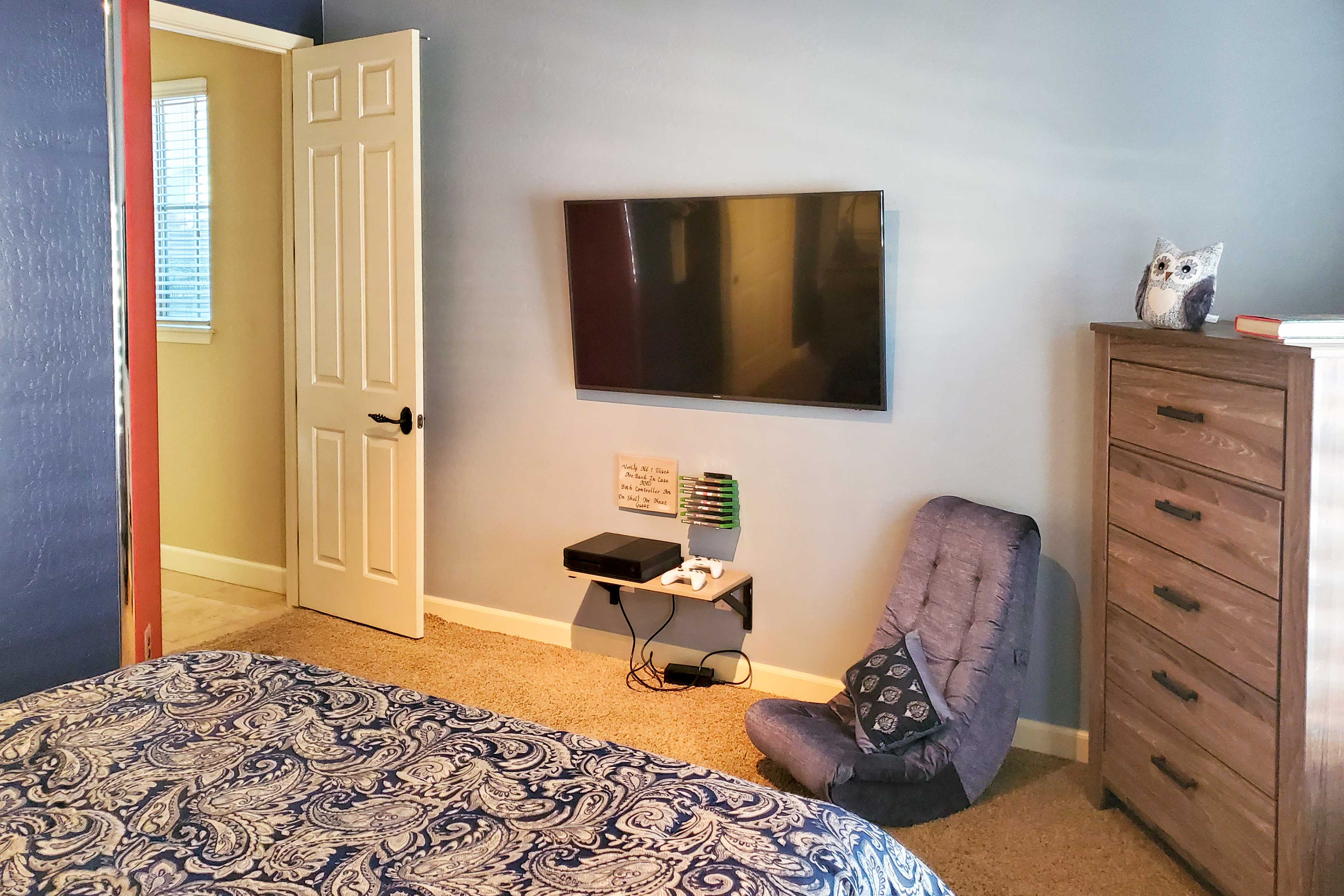 Bedroom 2   Smart TV   Gaming Console