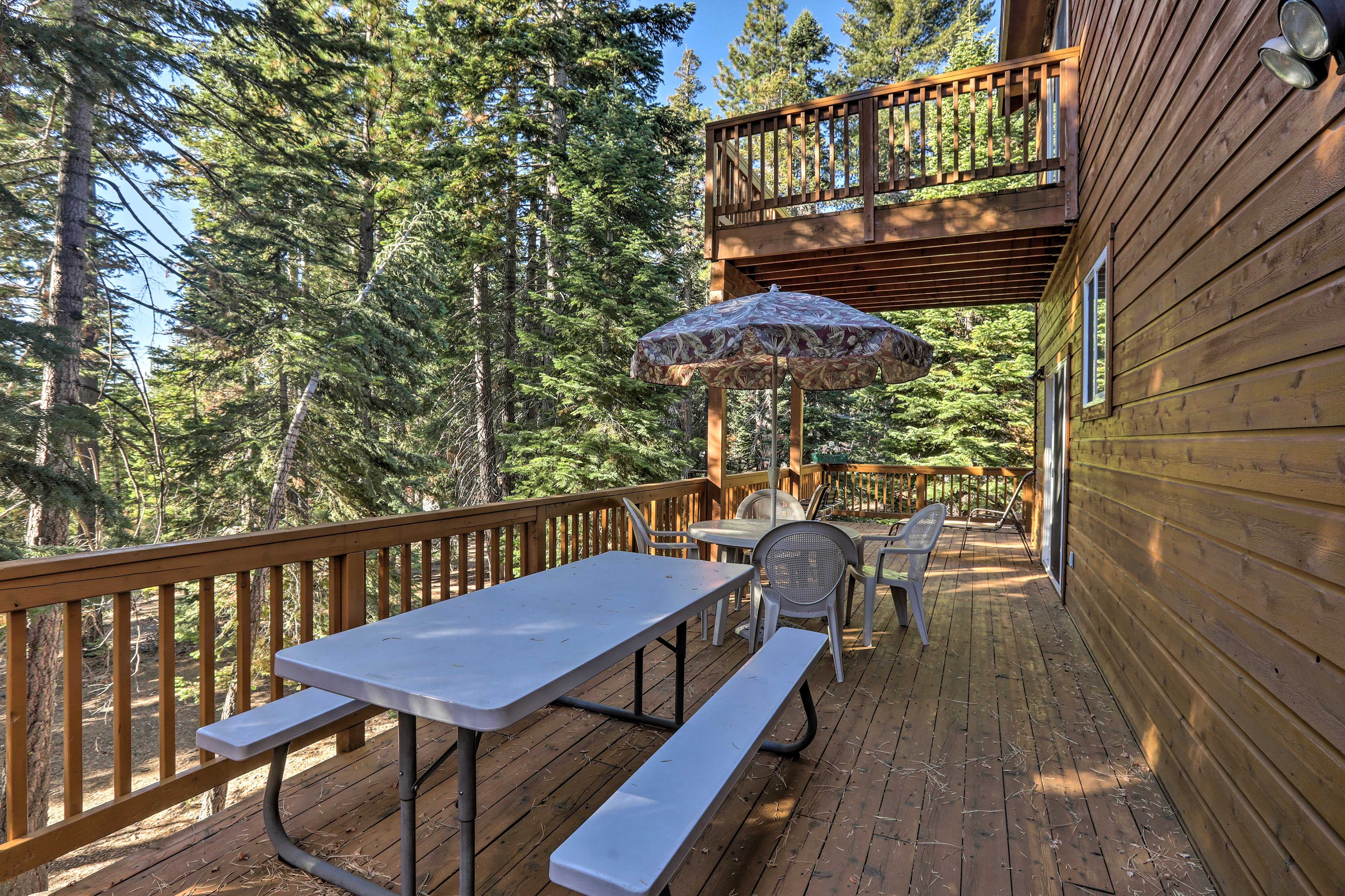 Dine al fresco at either the picnic table or outdoor dining area.