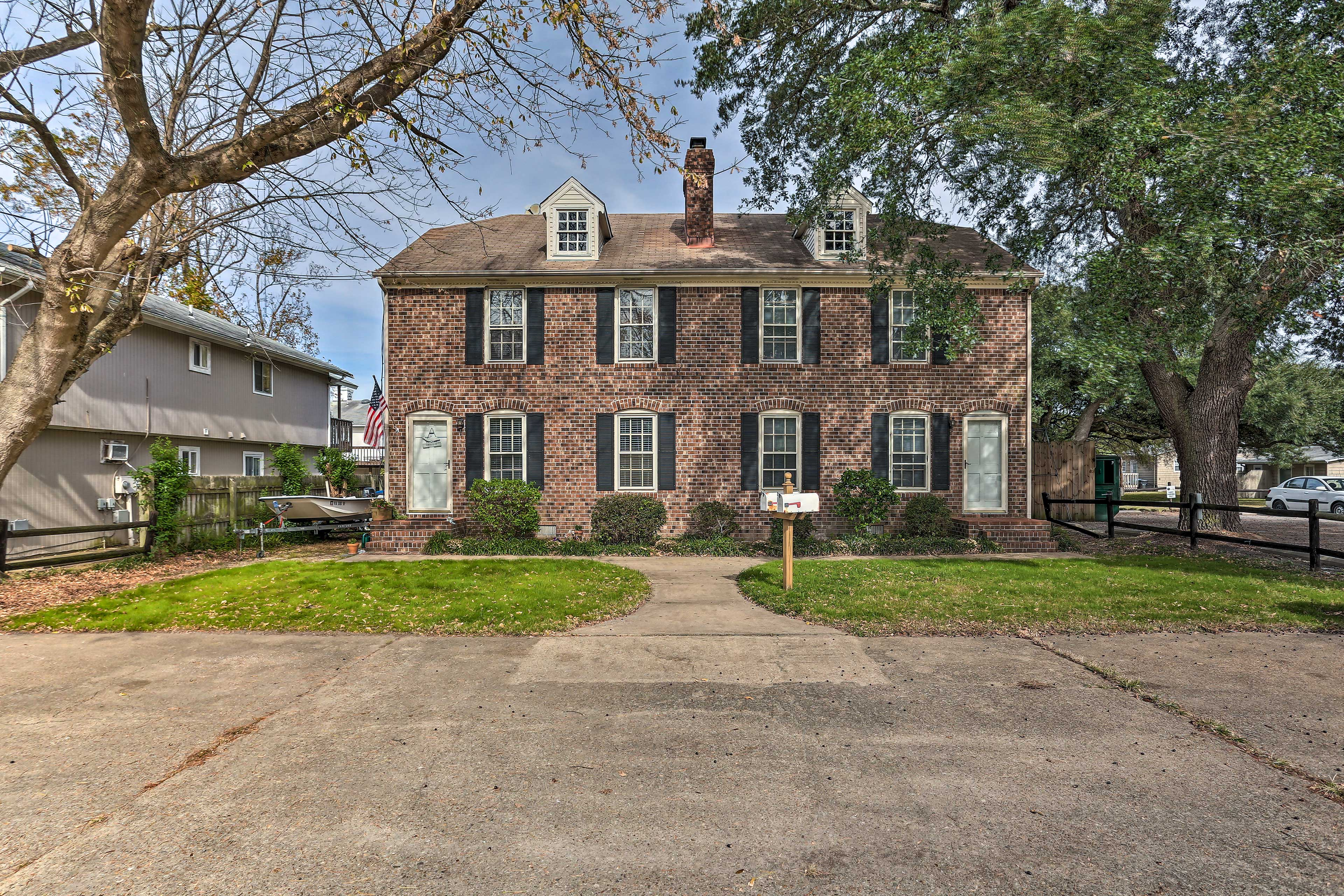 This duplex-style property is ideally located.