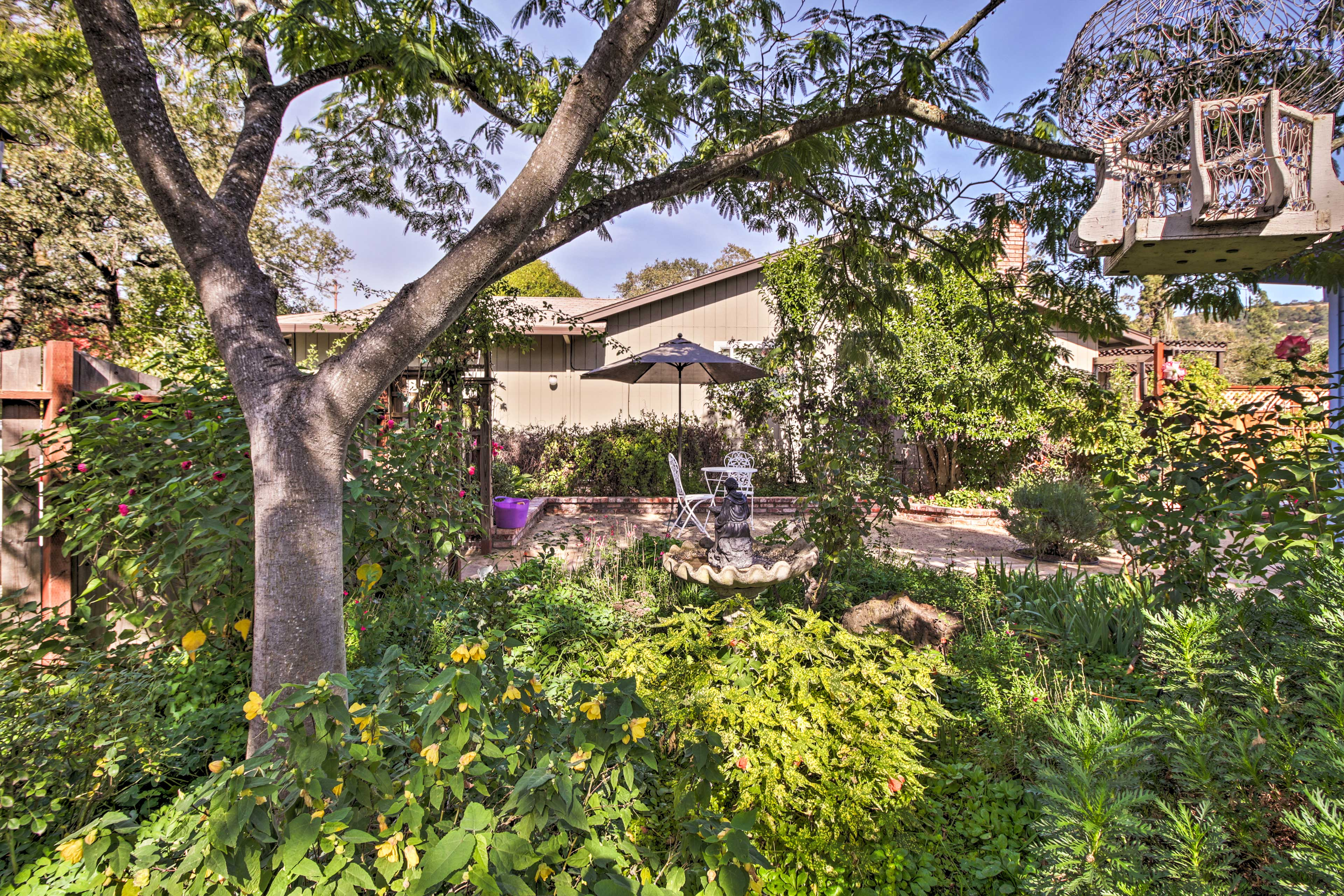 This home is located in the heart of Boyes Hot Springs near Sonoma Plaza.