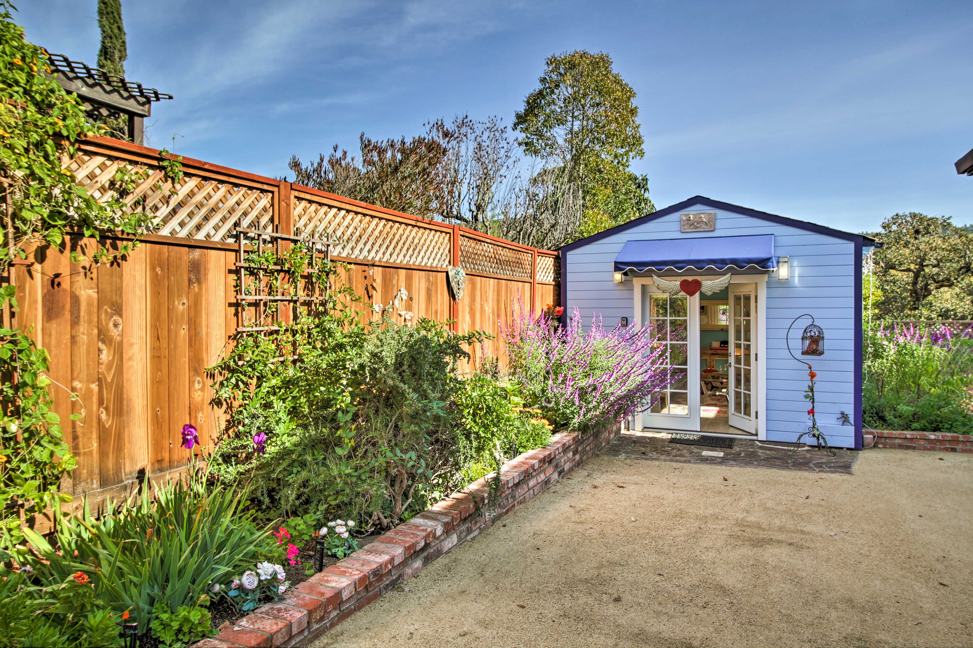 Your home is situated just 3 miles from all of Sonoma's restaurants and shops!