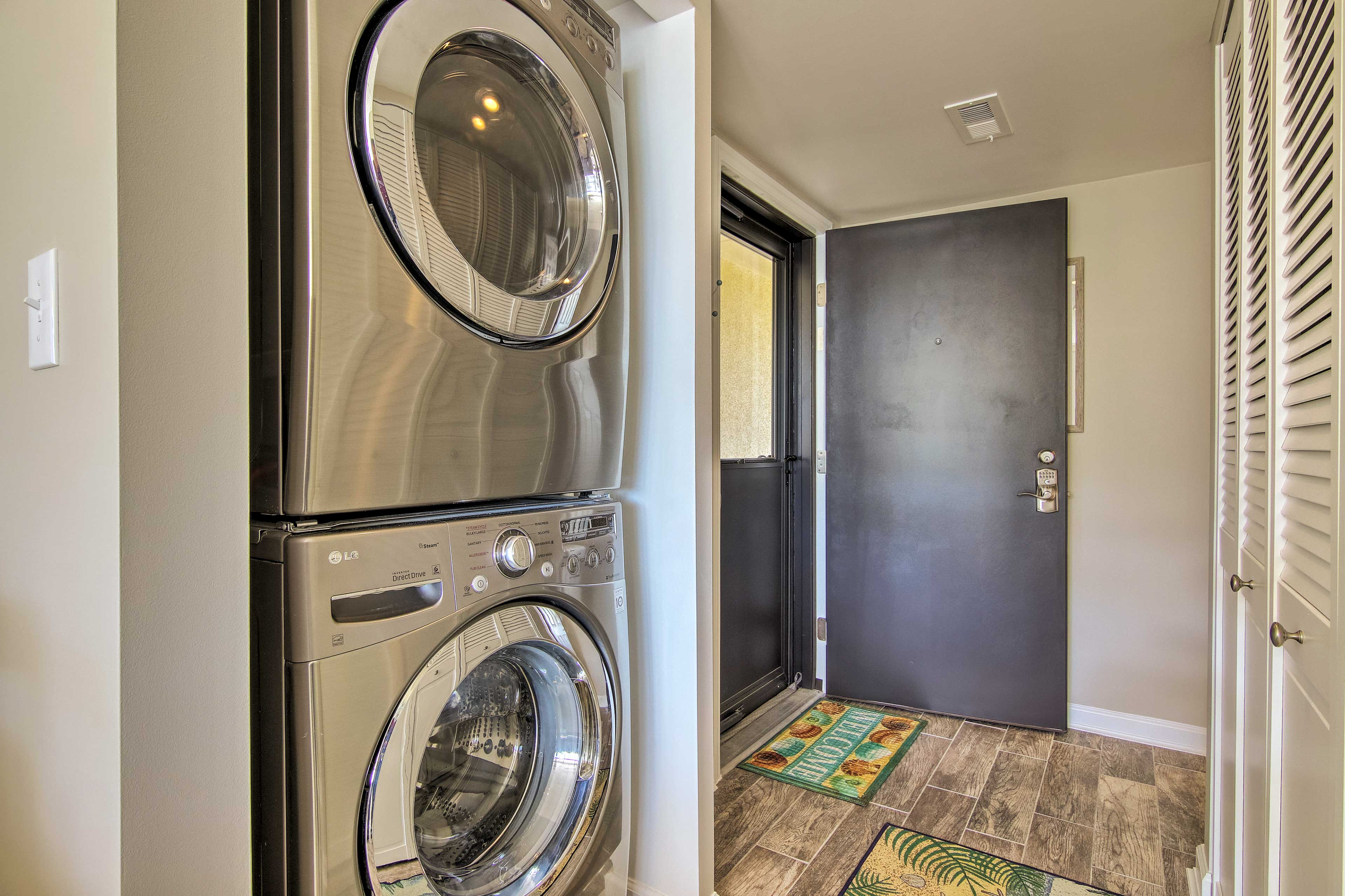 Welcome to your home-away-from-home with in-unit laundry machines!