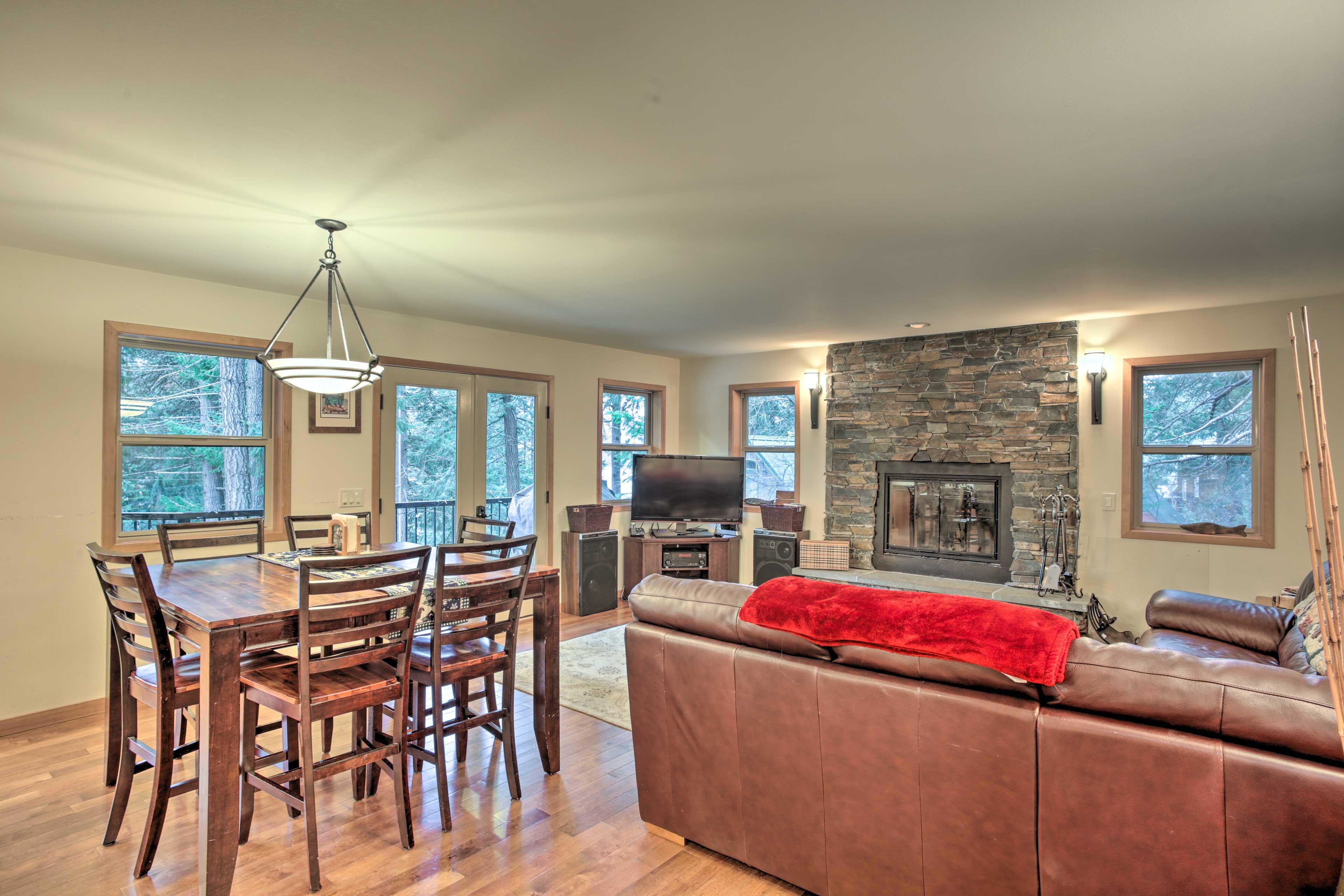 Unwind in this 3-bedroom, 3-bathroom vacation rental home in Leavenworth.