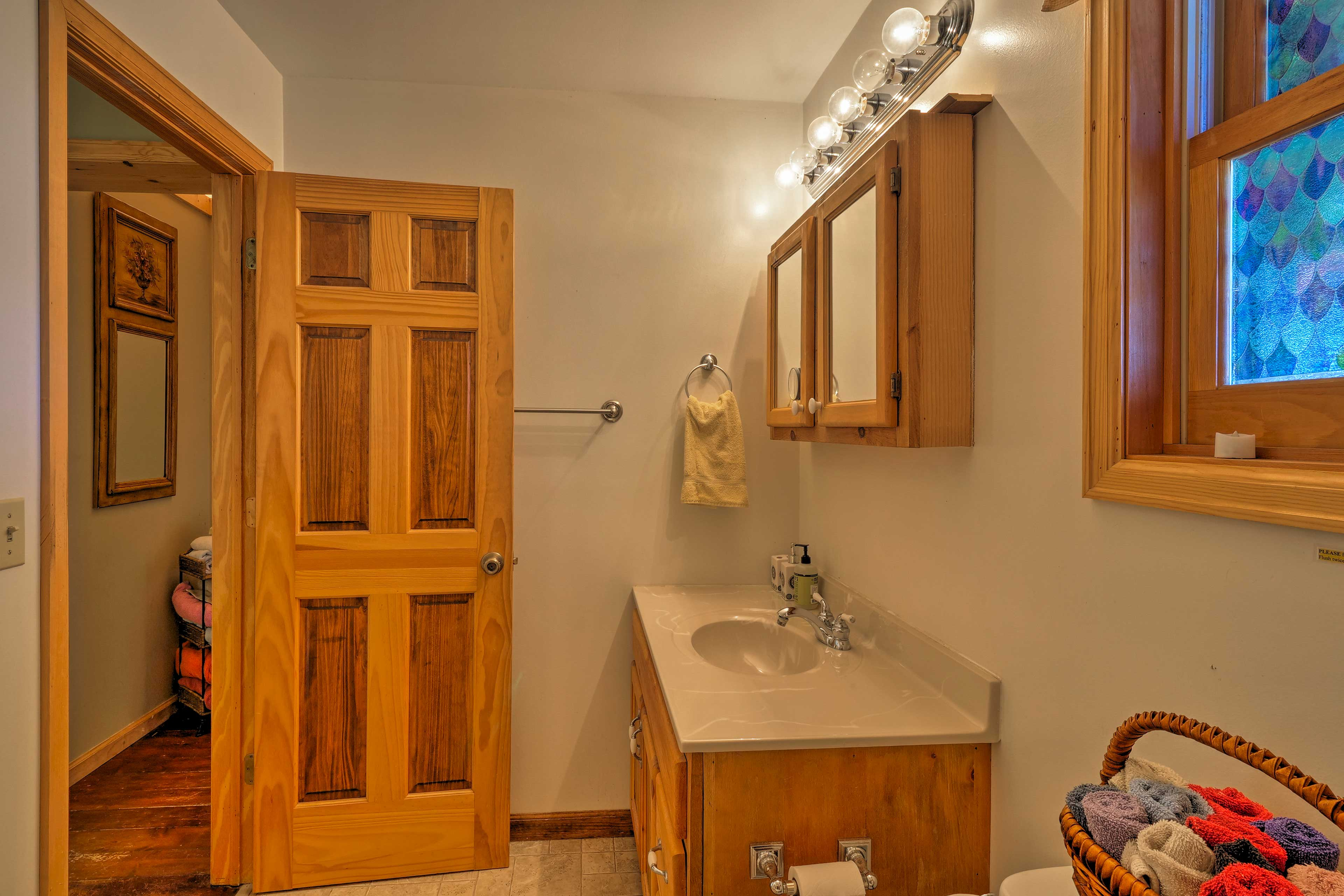 The bathroom offers plenty of space for your group to share.