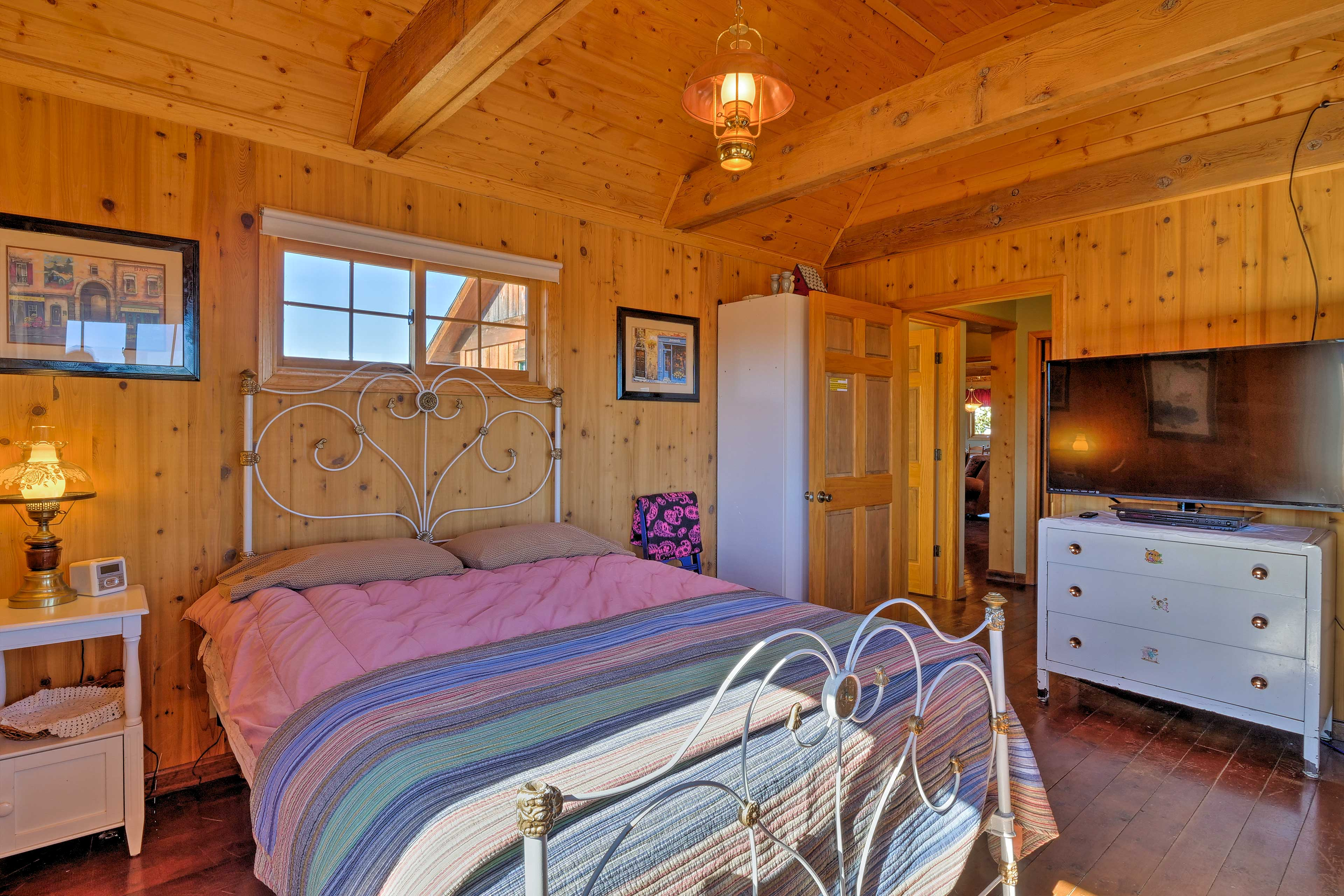 After a thrilling day on the mountain, sleep easy in this comfortable bed.