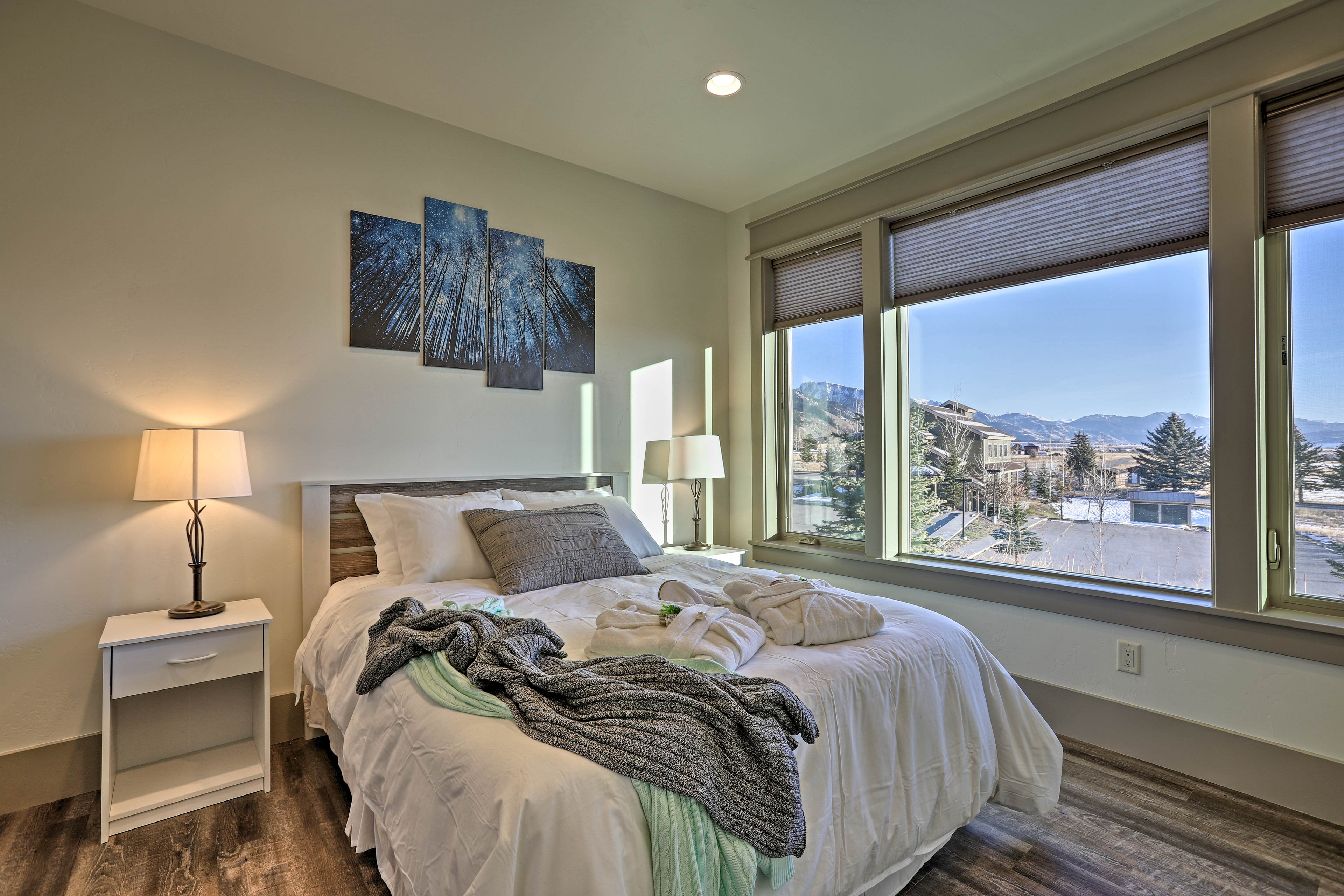 The home's third bedroom features a queen bed for 2.