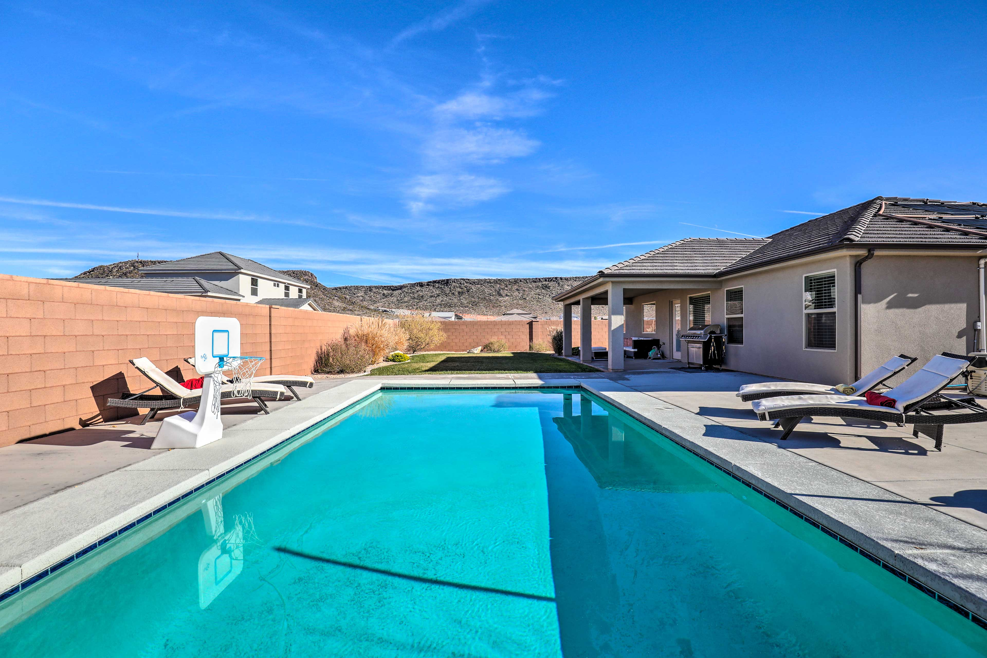 Welcome to your new home-away-from-home in Hurricane, Utah!