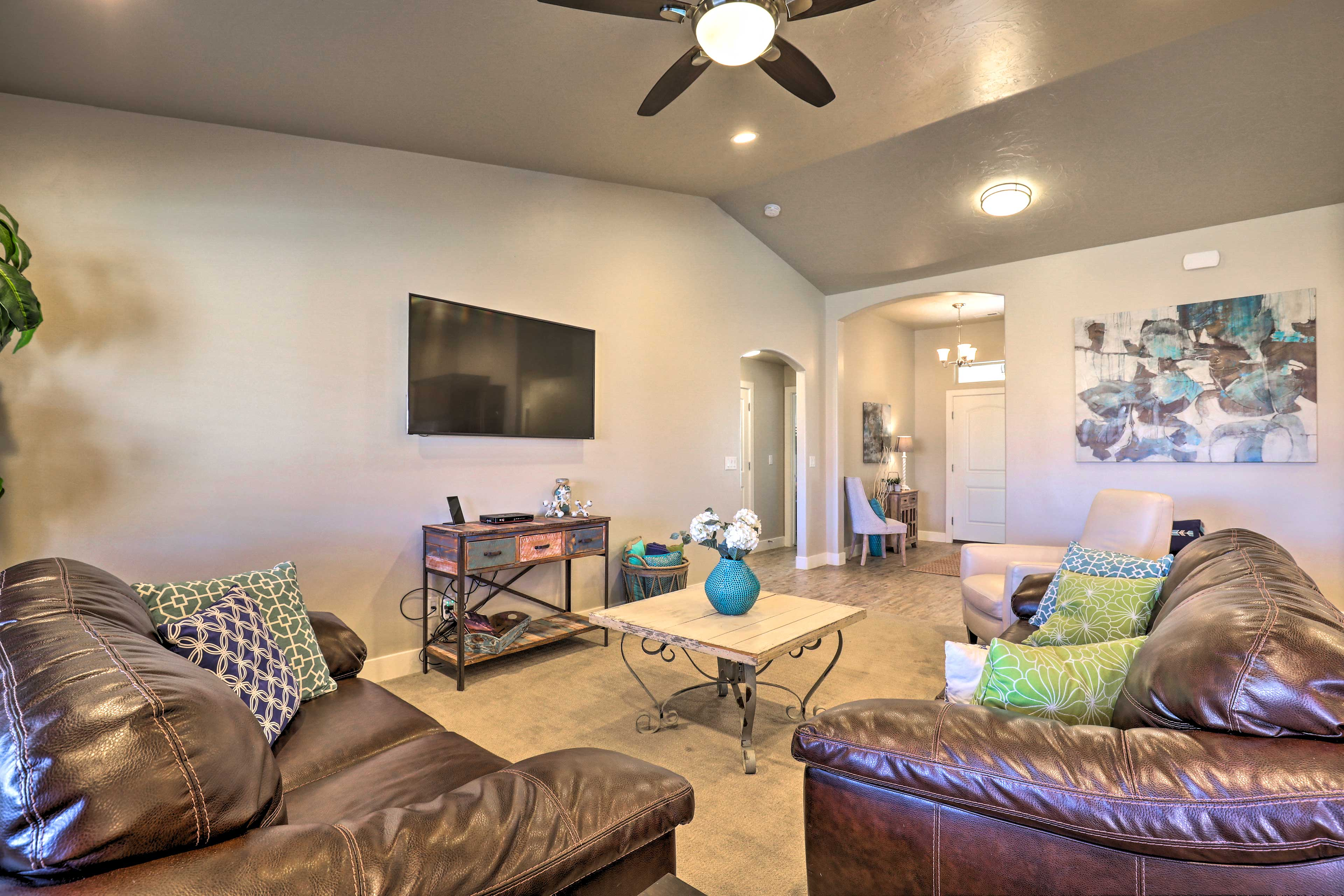 Grab a seat on the leather sofas and watch a movie on the flat-screen cable TV.
