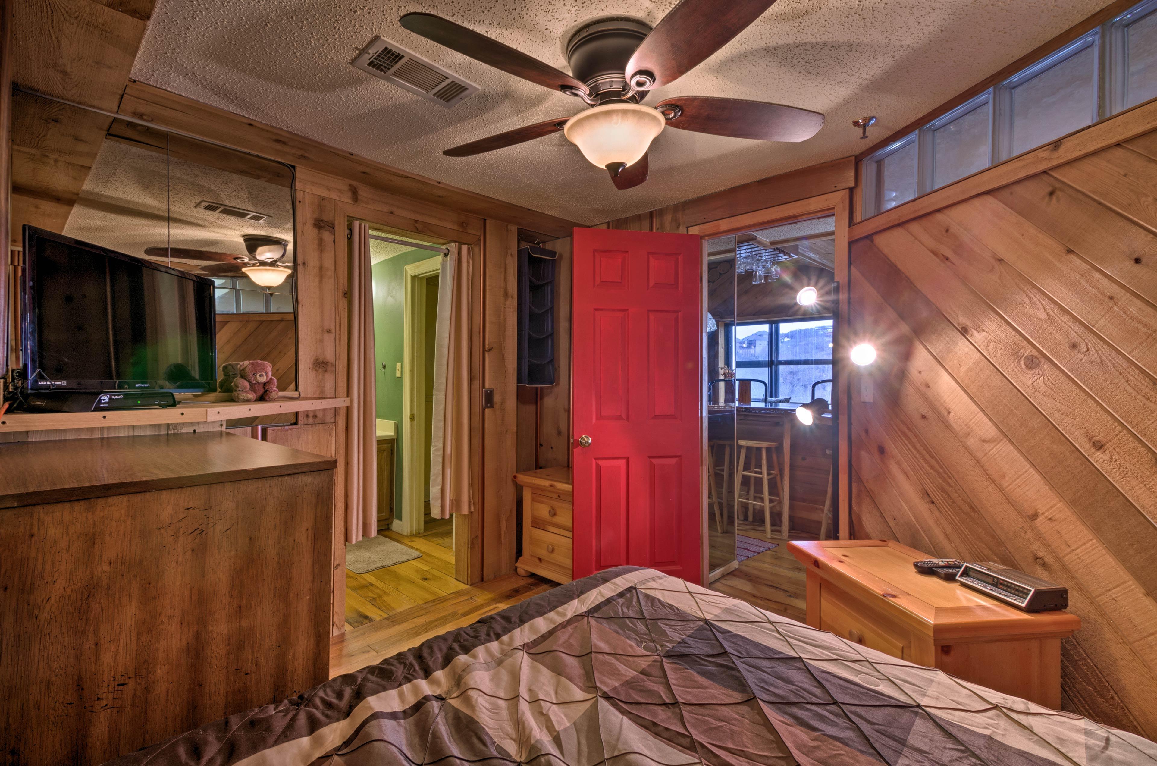 Enjoy access to a private en-suite bathroom!