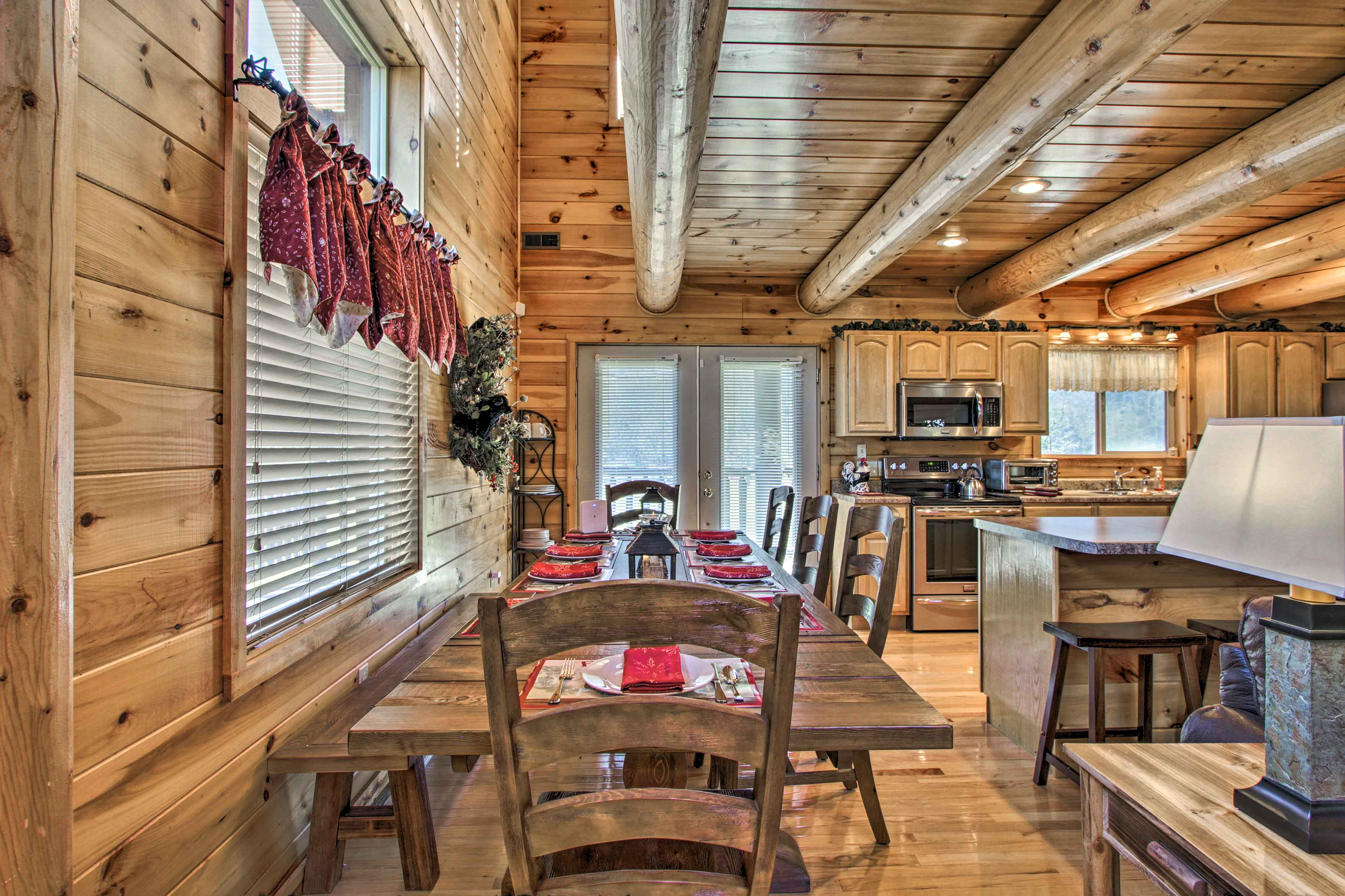 Wood paneling and Northwoods decor add a touch of alpine ambiance.