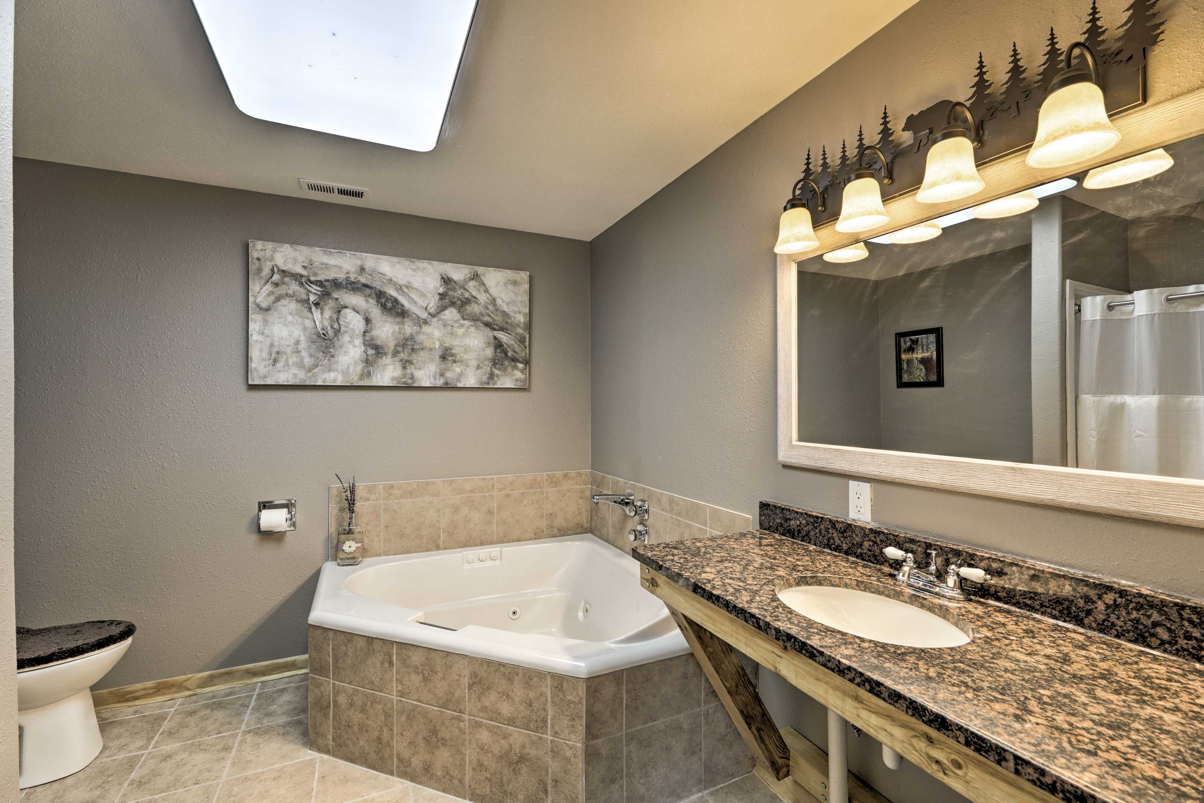 End the day with a soak in the jetted tub.