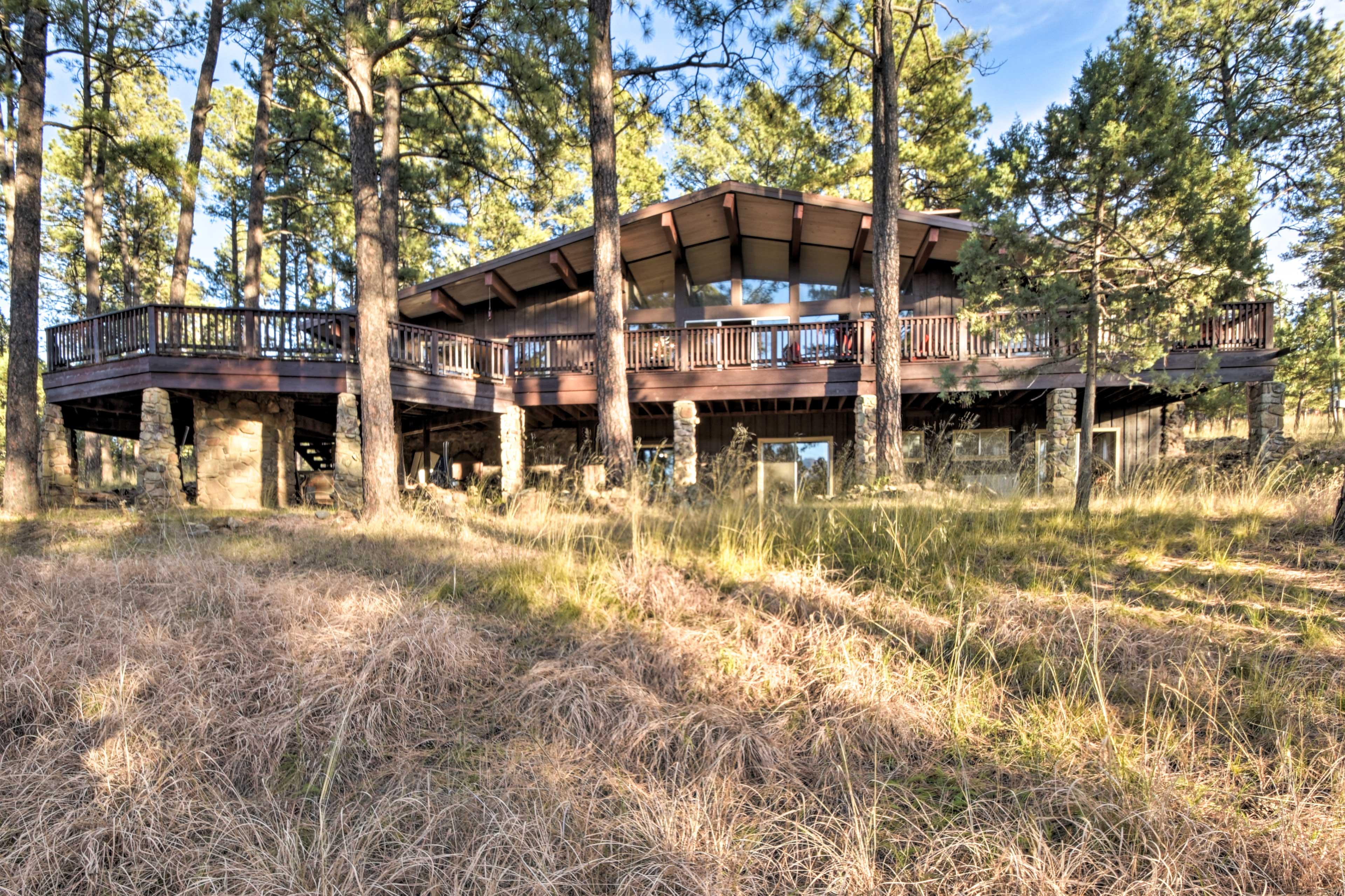 This 7-acre Ruidoso retreat awaits!