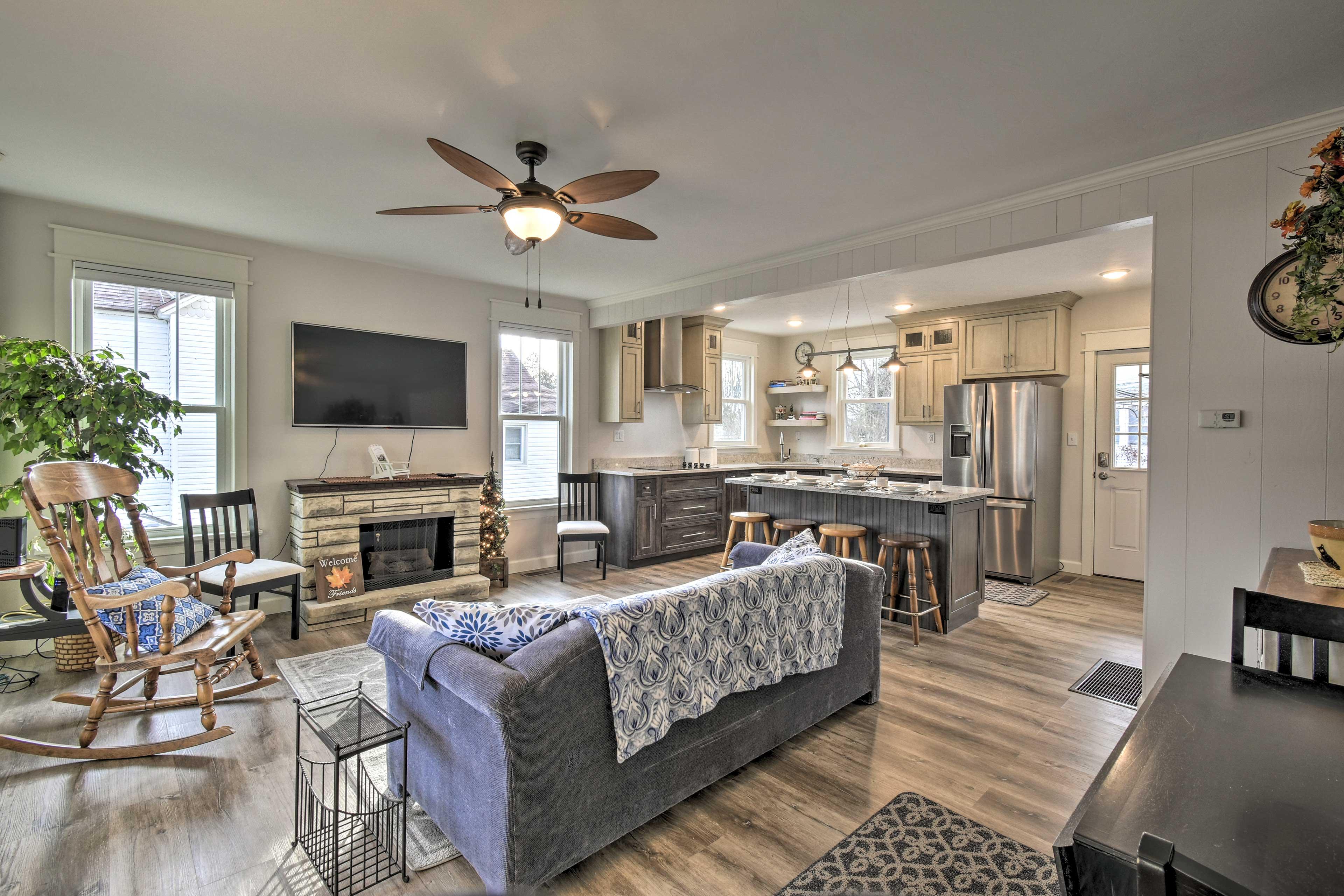 Unwind in this lavish 3-bedroom, 2-bathroom vacation rental home in Green Lake.