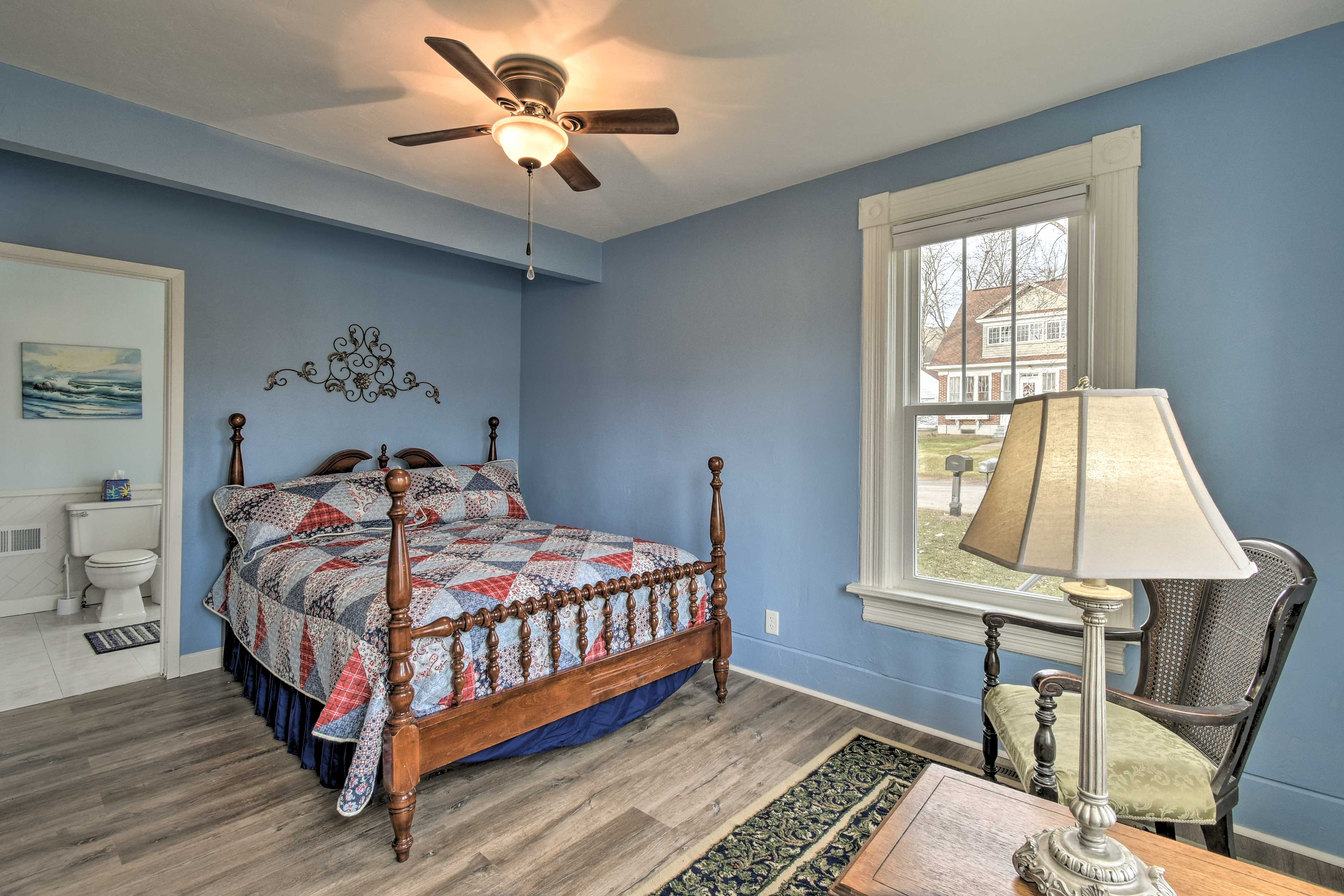 Perfect for couples, the master bedroom boasts a queen bed.