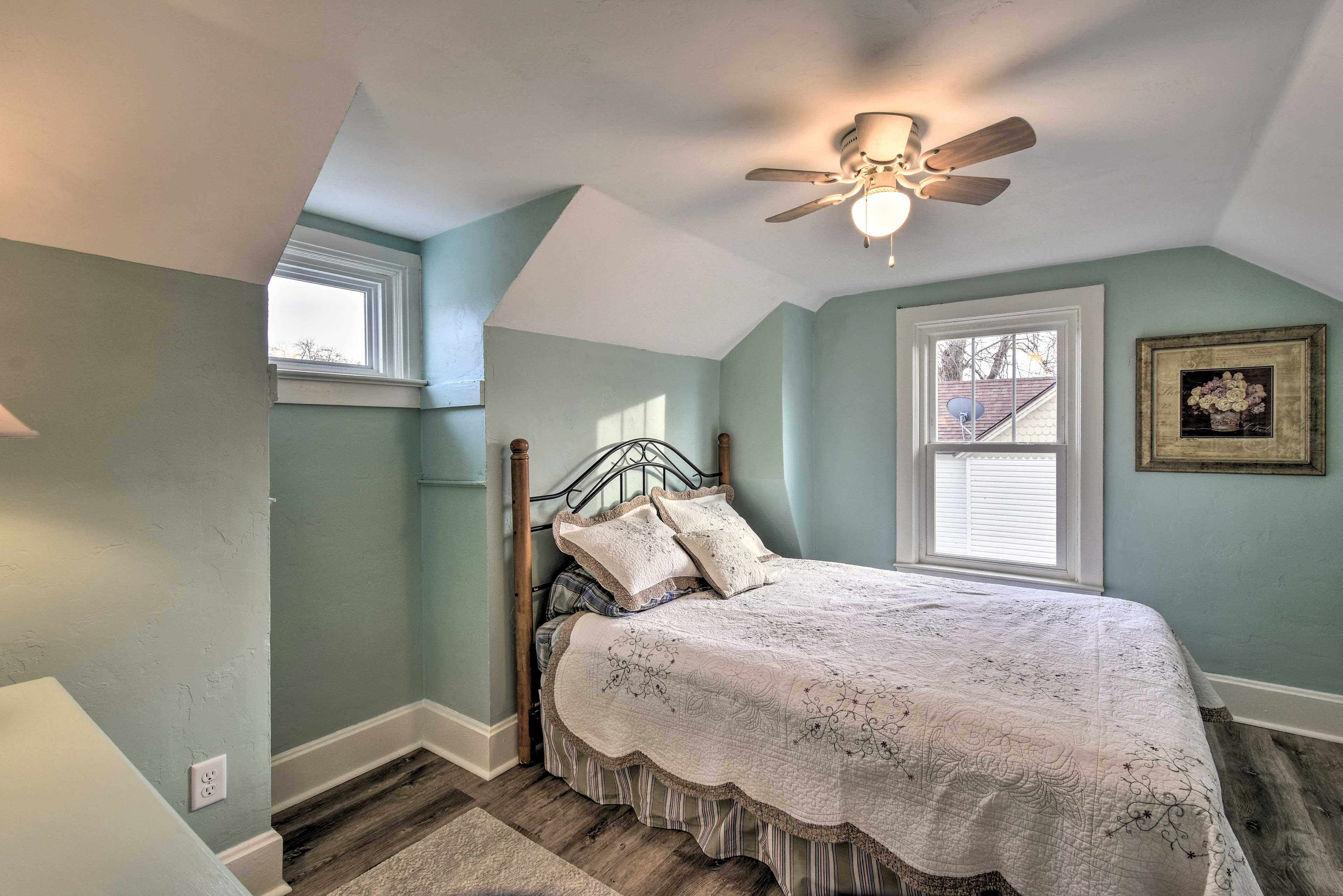 You'll wake up well-rested in this queen bed.