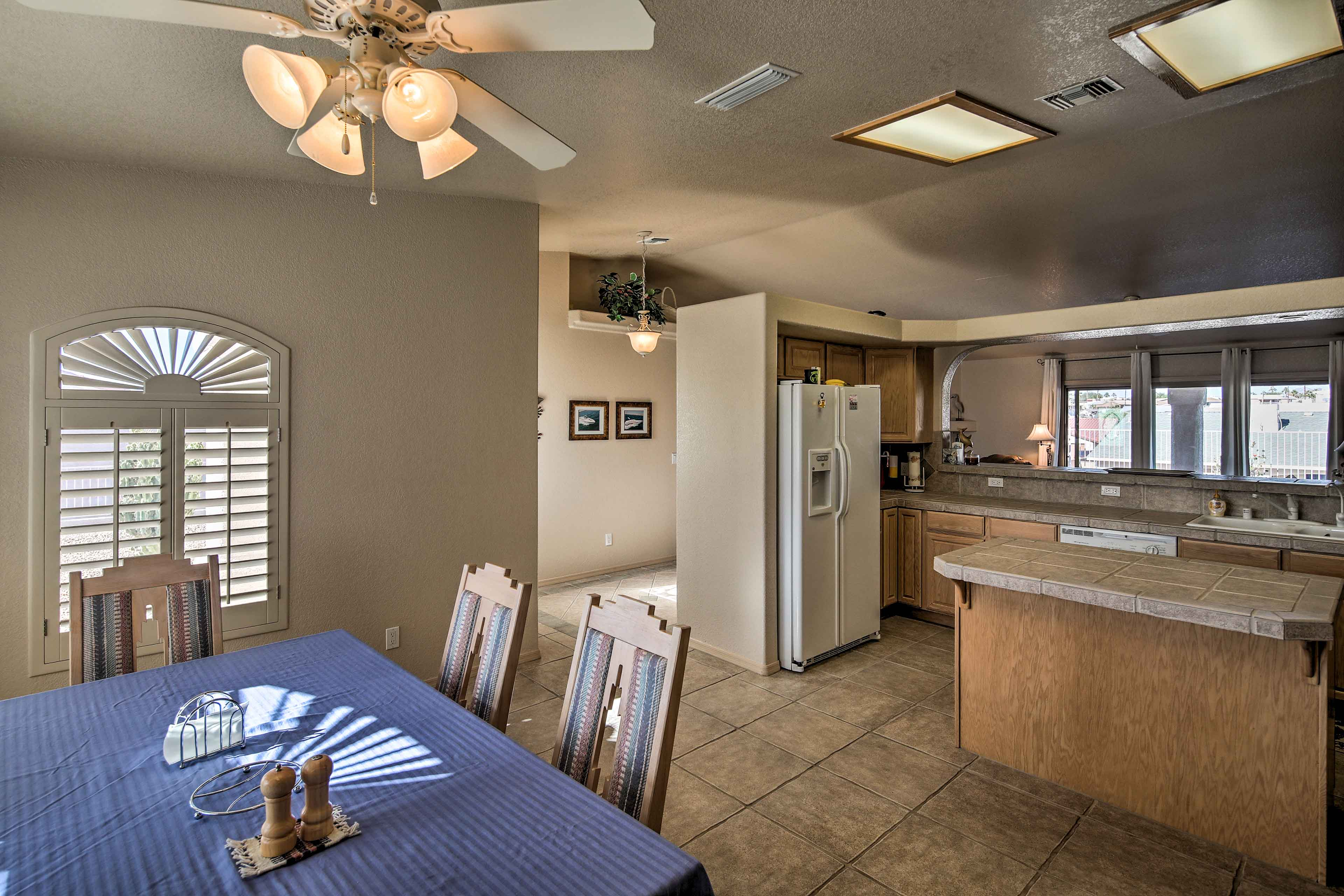 The kitchen and dining area perfectly coincide.