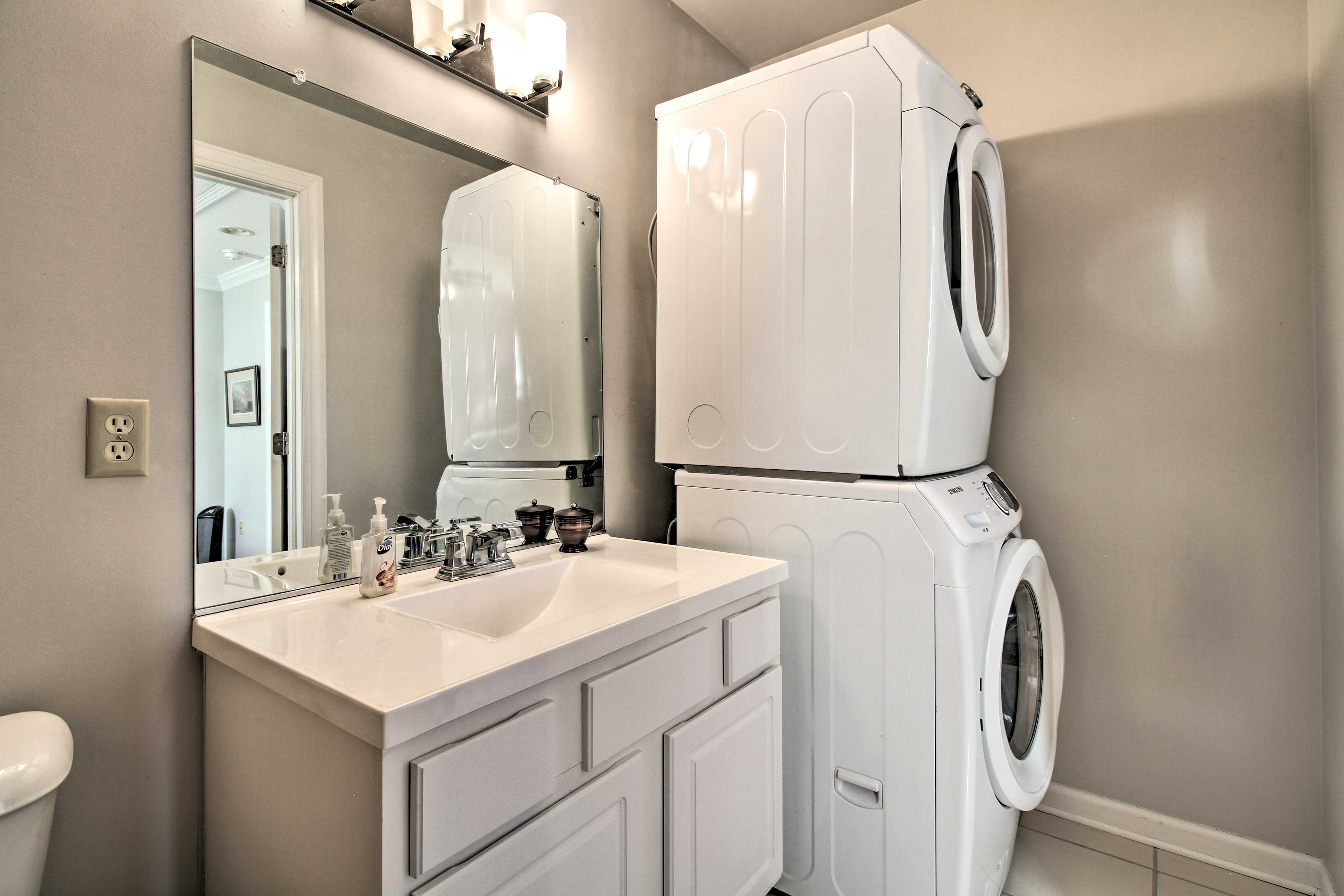 Use the in-unit washer and dryer to keep your clothing fresh!