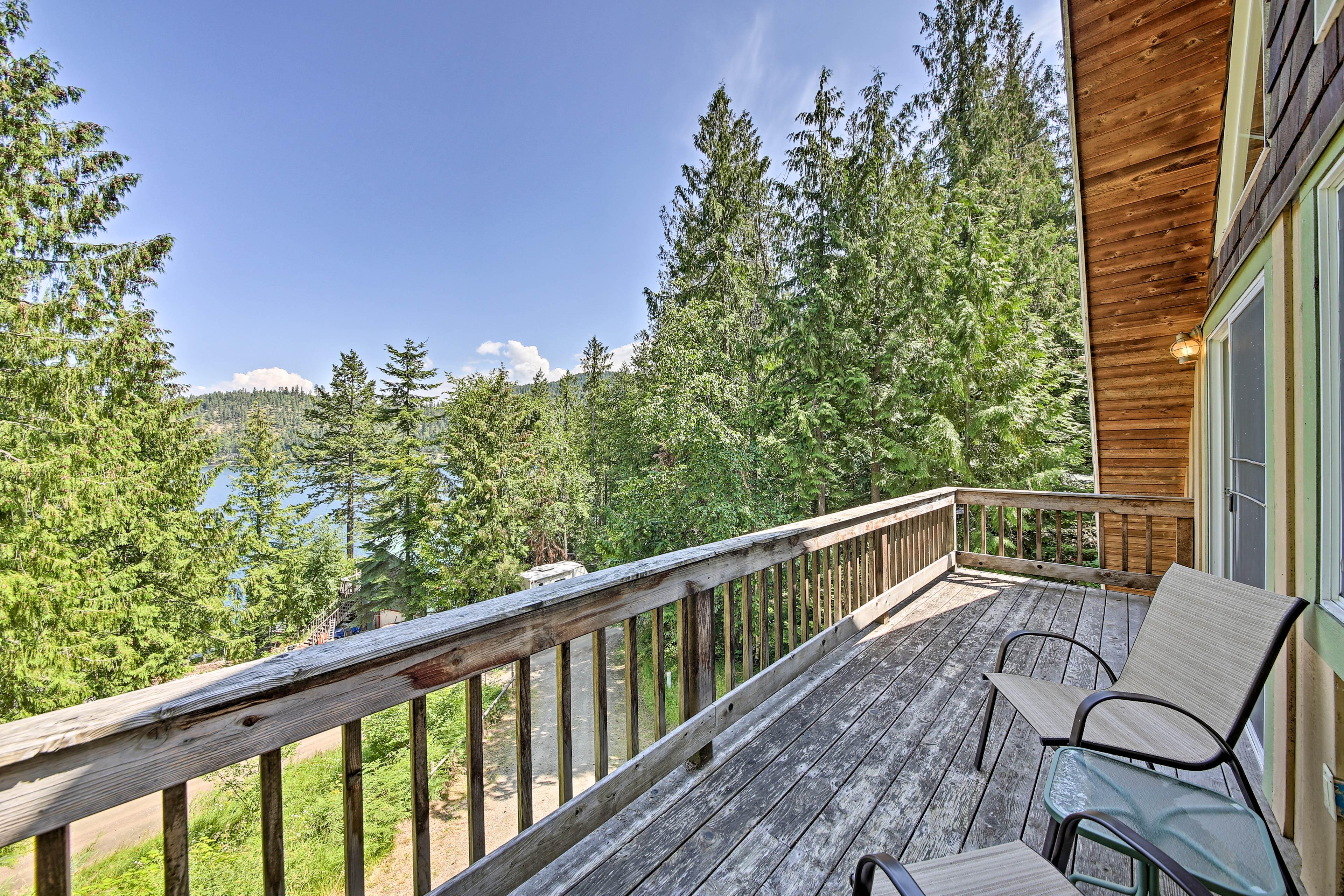 Stunning lake views await!