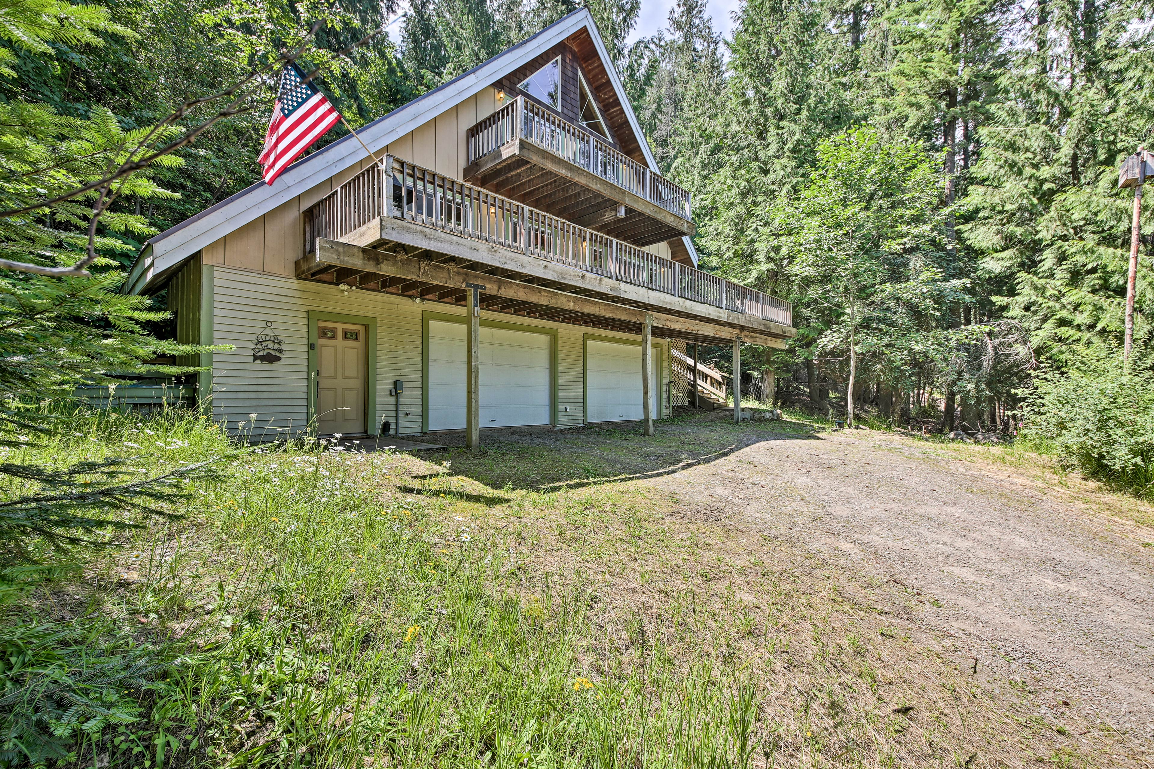 The 4-bed, 3-bath vacation rental home boasts accommodations for 8 guests.