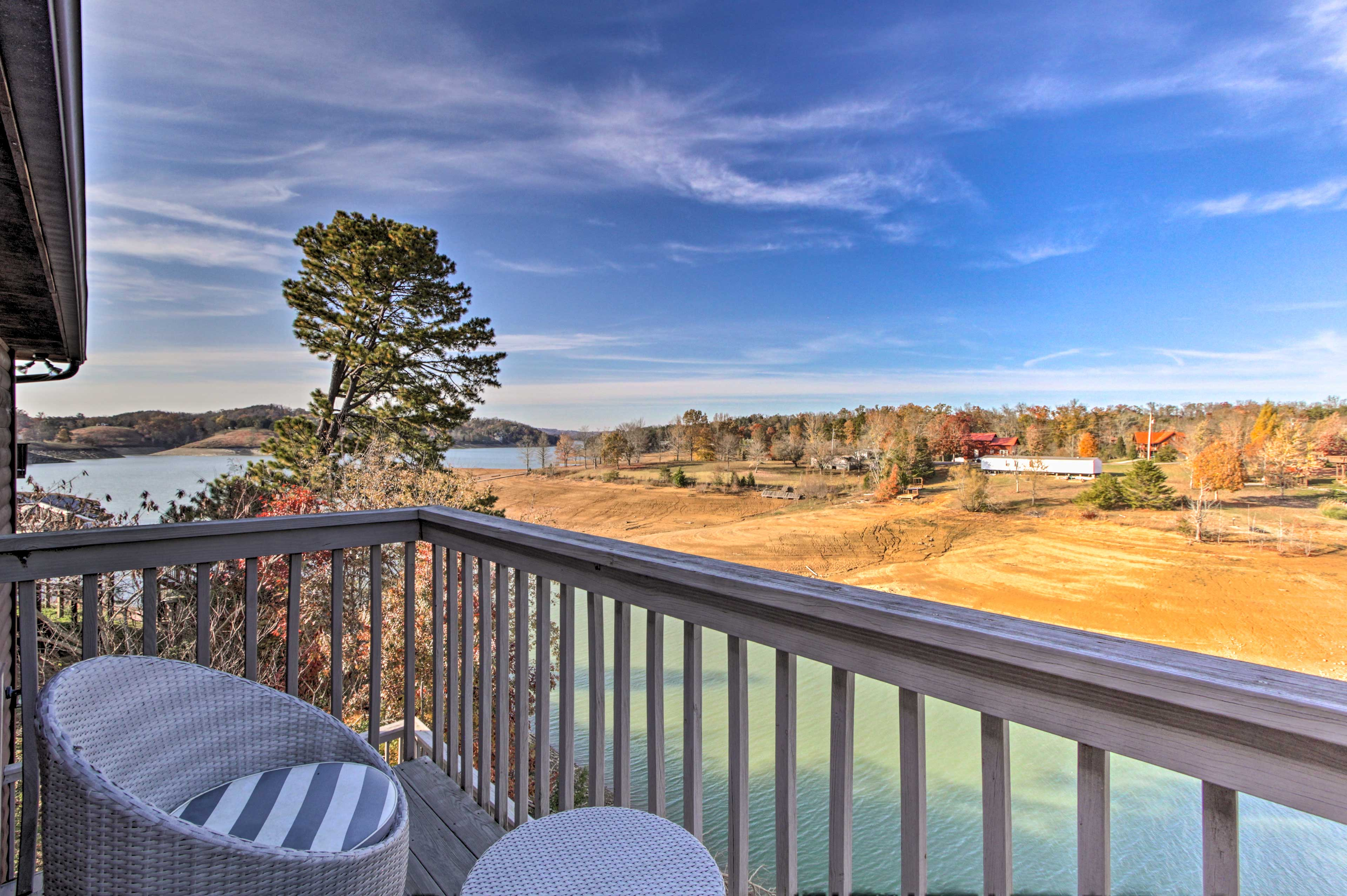 Soak in the stellar lake views from the top balcony.