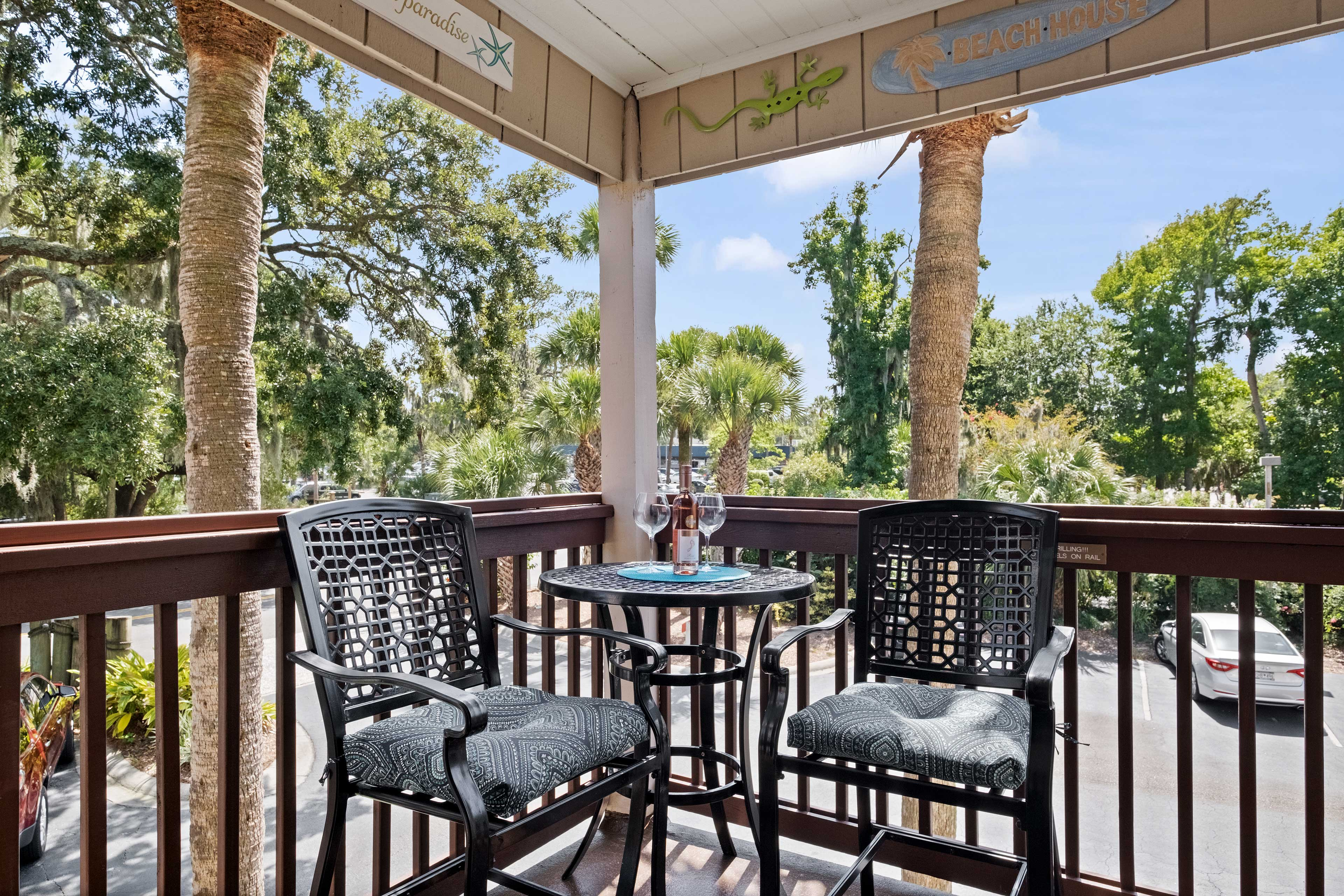 Private Balcony   Dining Table & Community Views