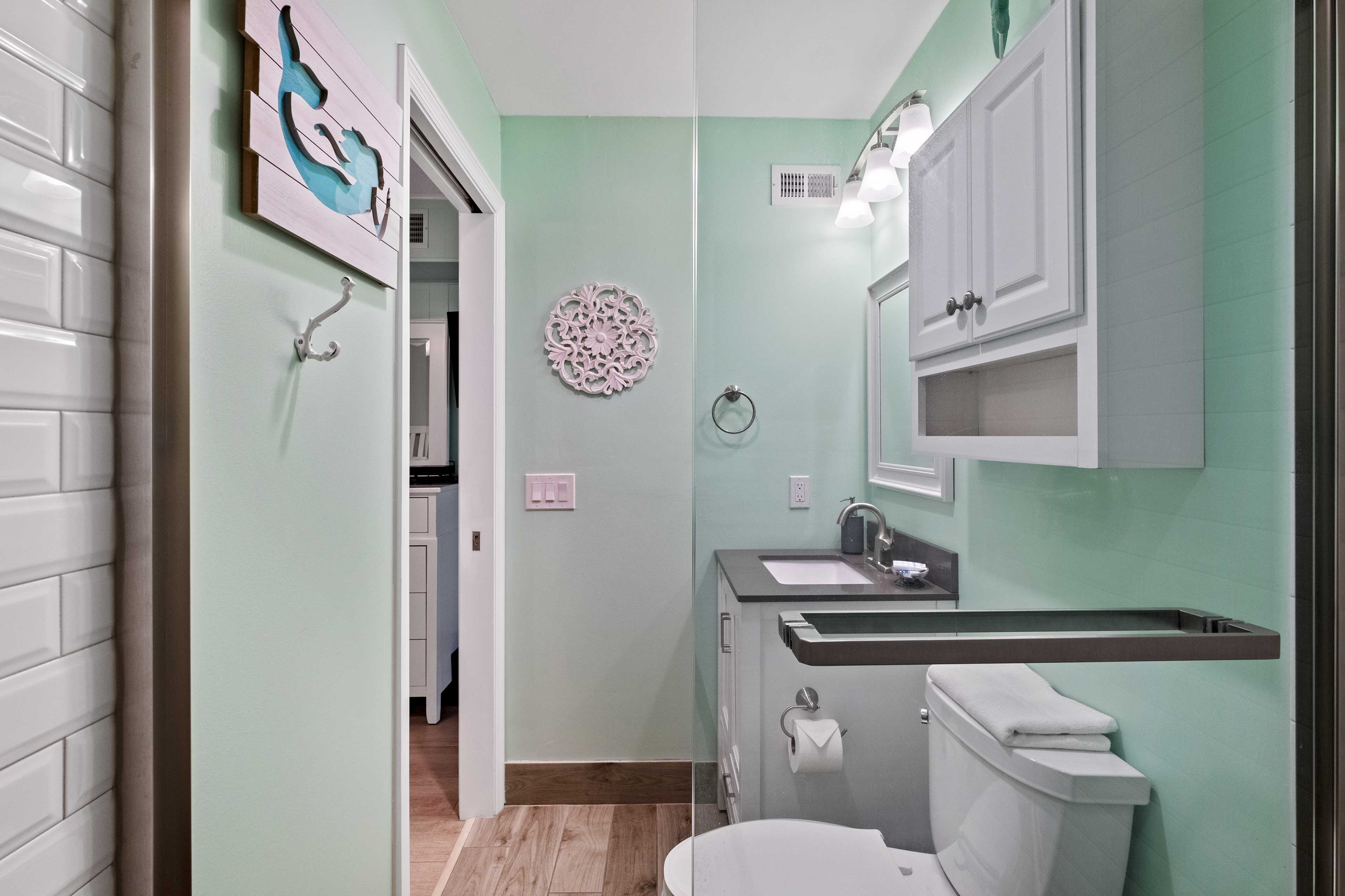 En-Suite Bathroom   Walk-in Shower