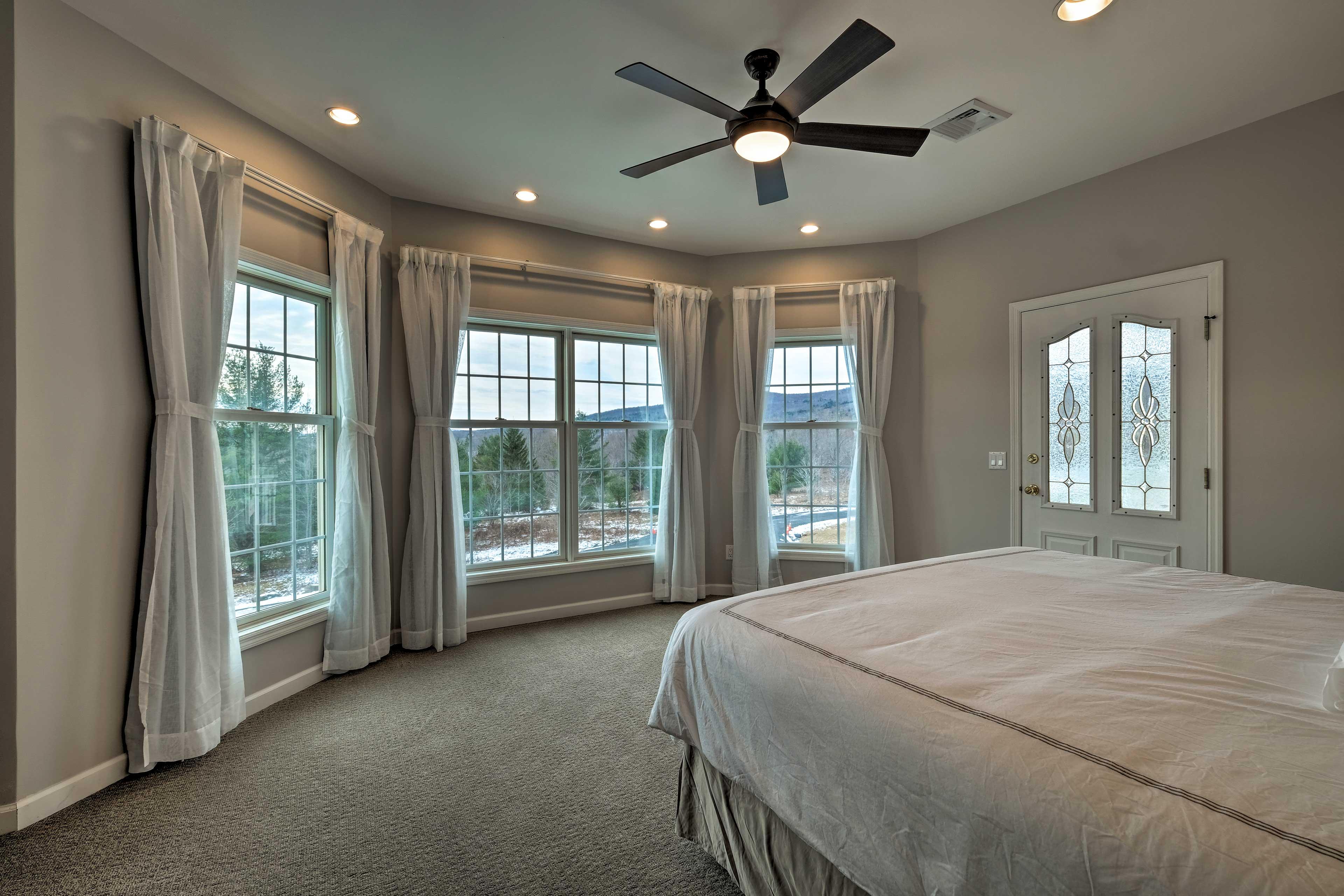 Bedroom 2: king bed