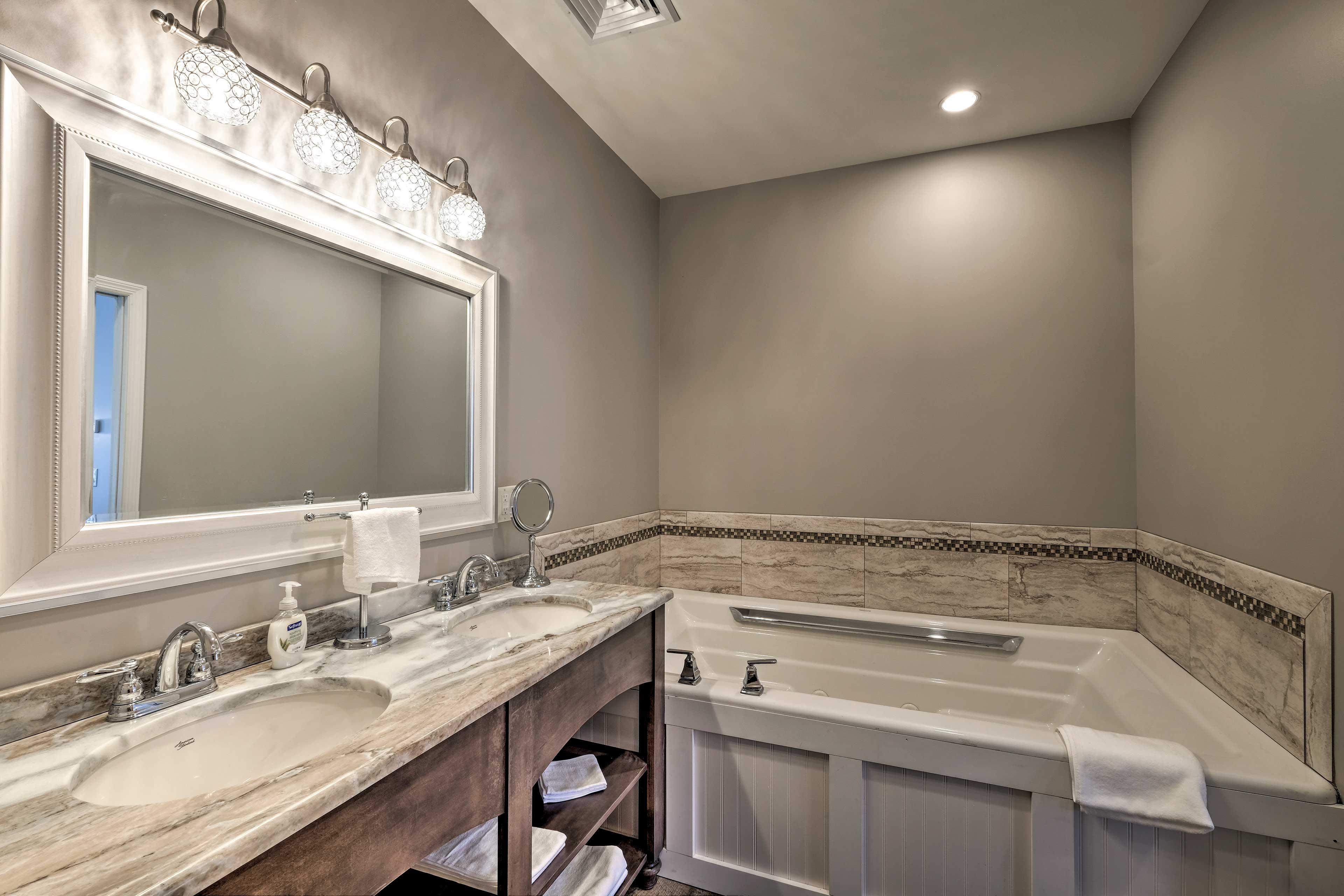 Bathroom 3: double vanity, bathtub
