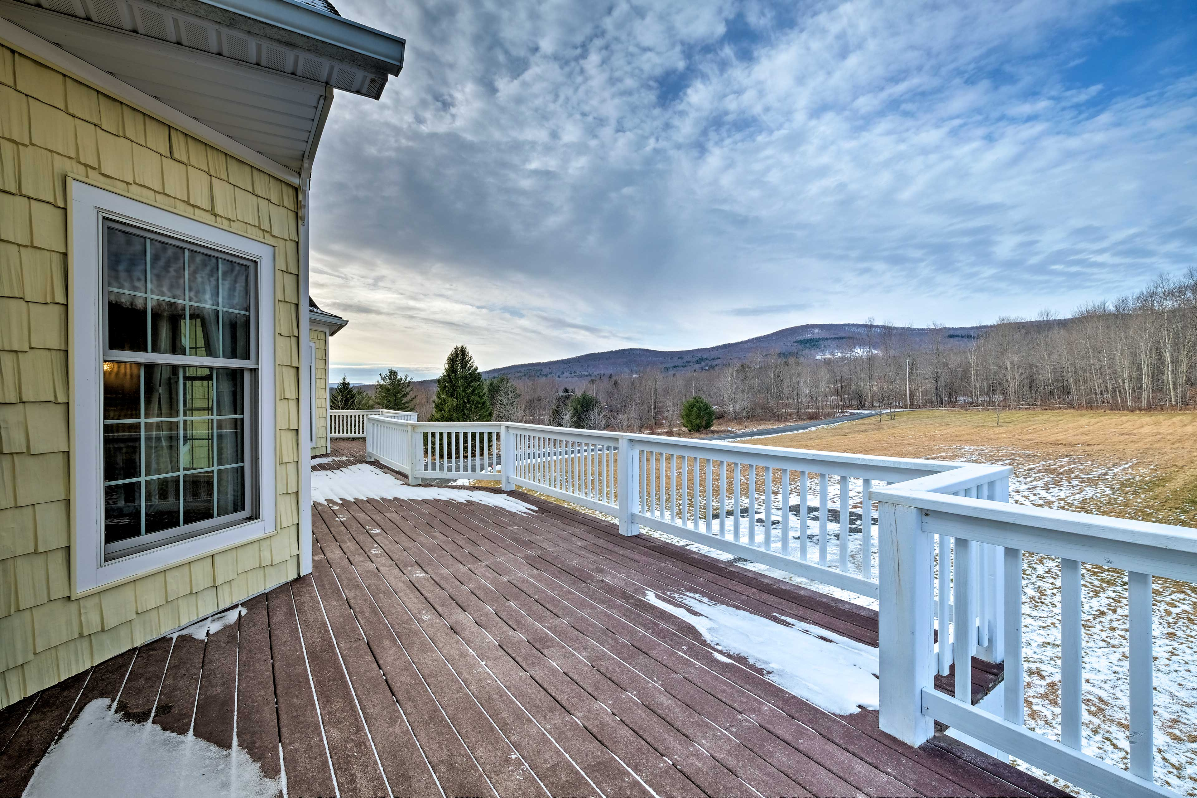 You can see the Catskill Mountains from the manor's deck!