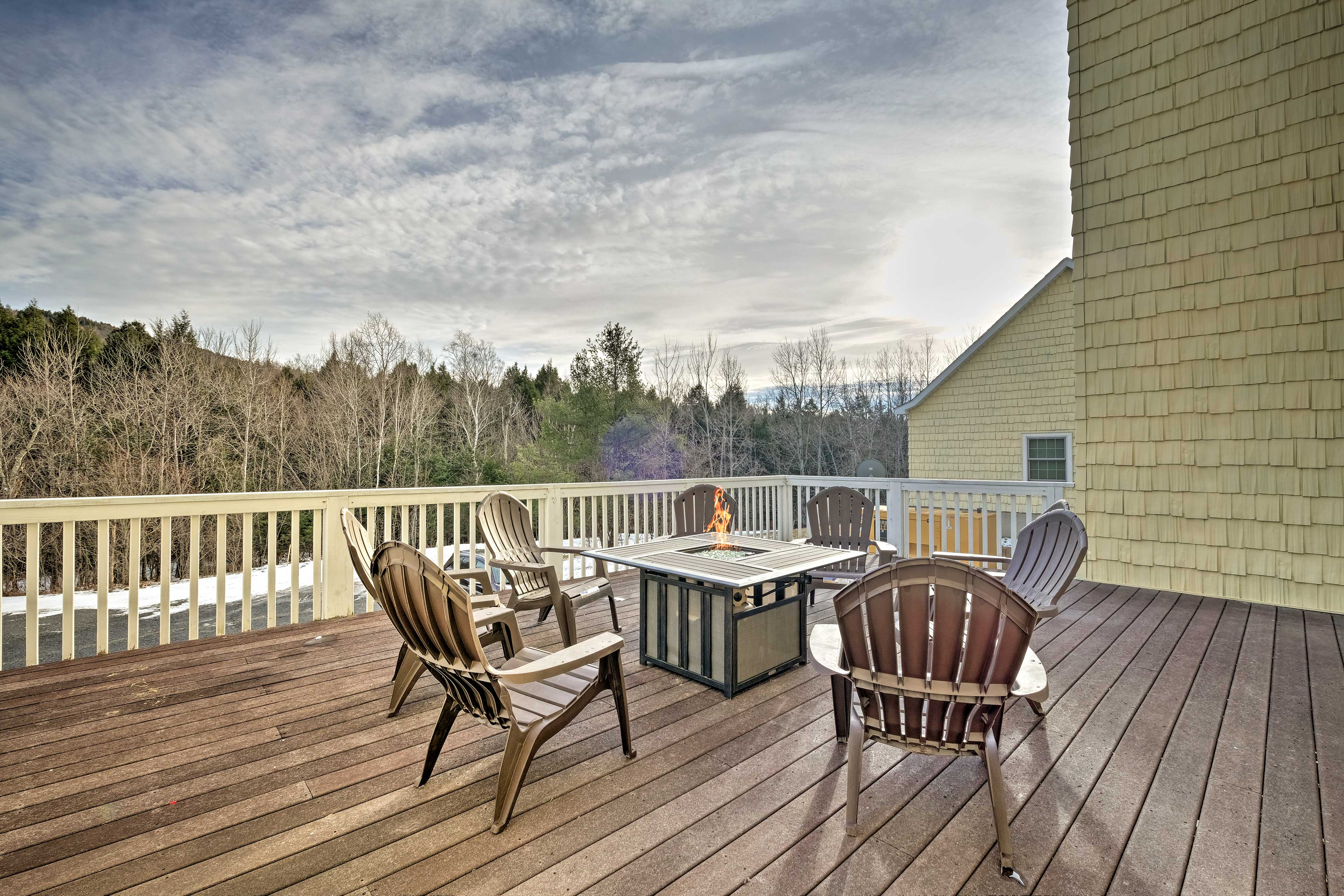 The vacation rental manor sits on 45 acres in the 'Gem of the Catskills.'