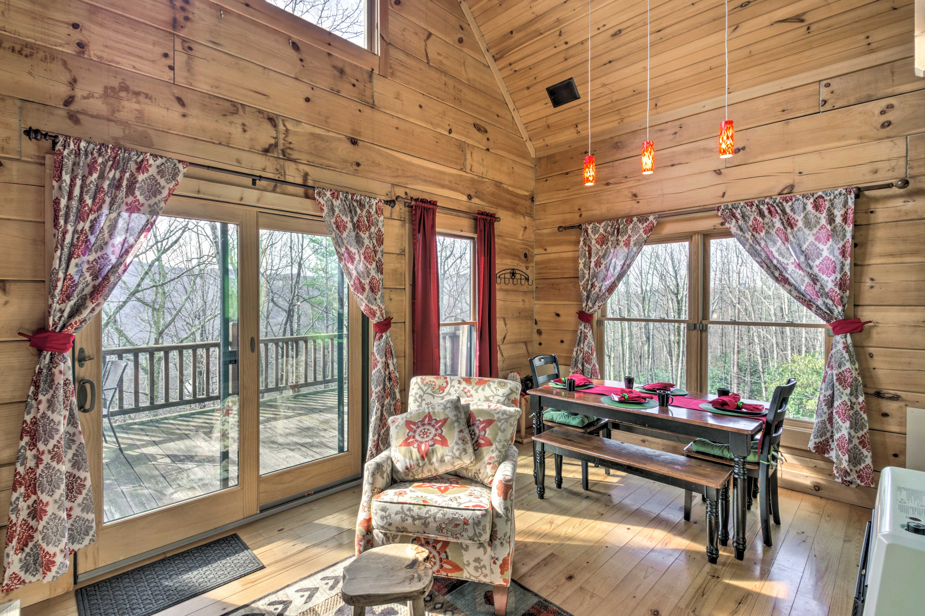 Relaxing days await at this charming Beach Mountain vacation rental cabin.