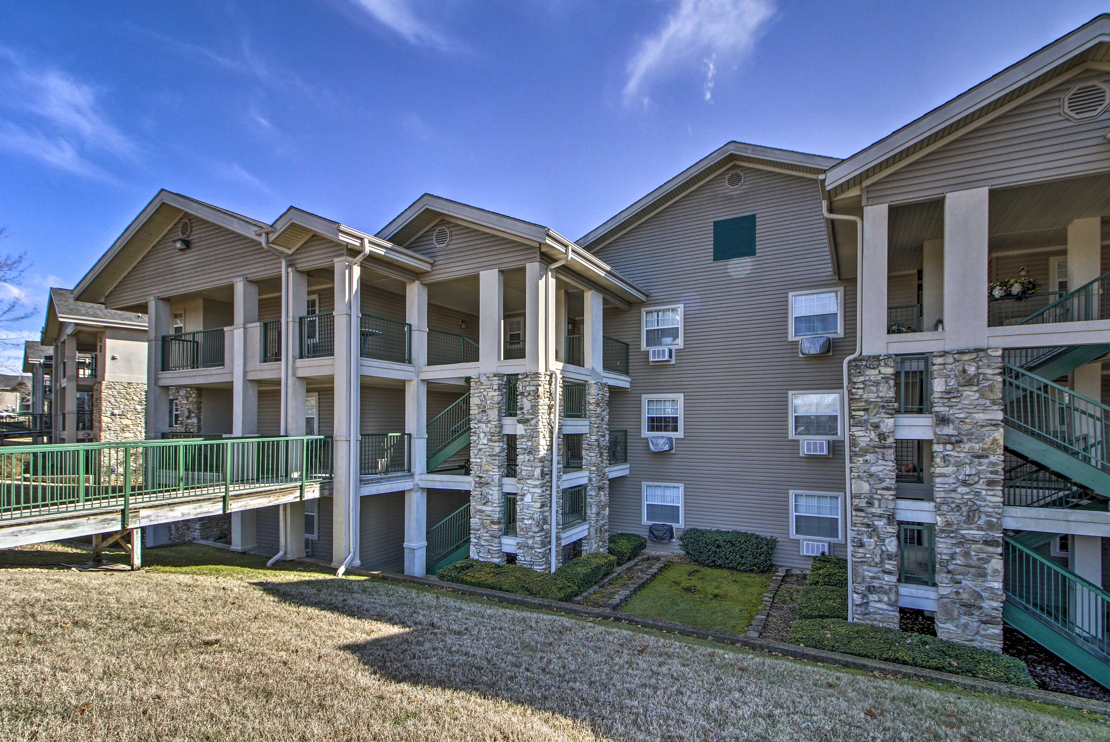 This condo complex is just 2 miles from Branson Landing.