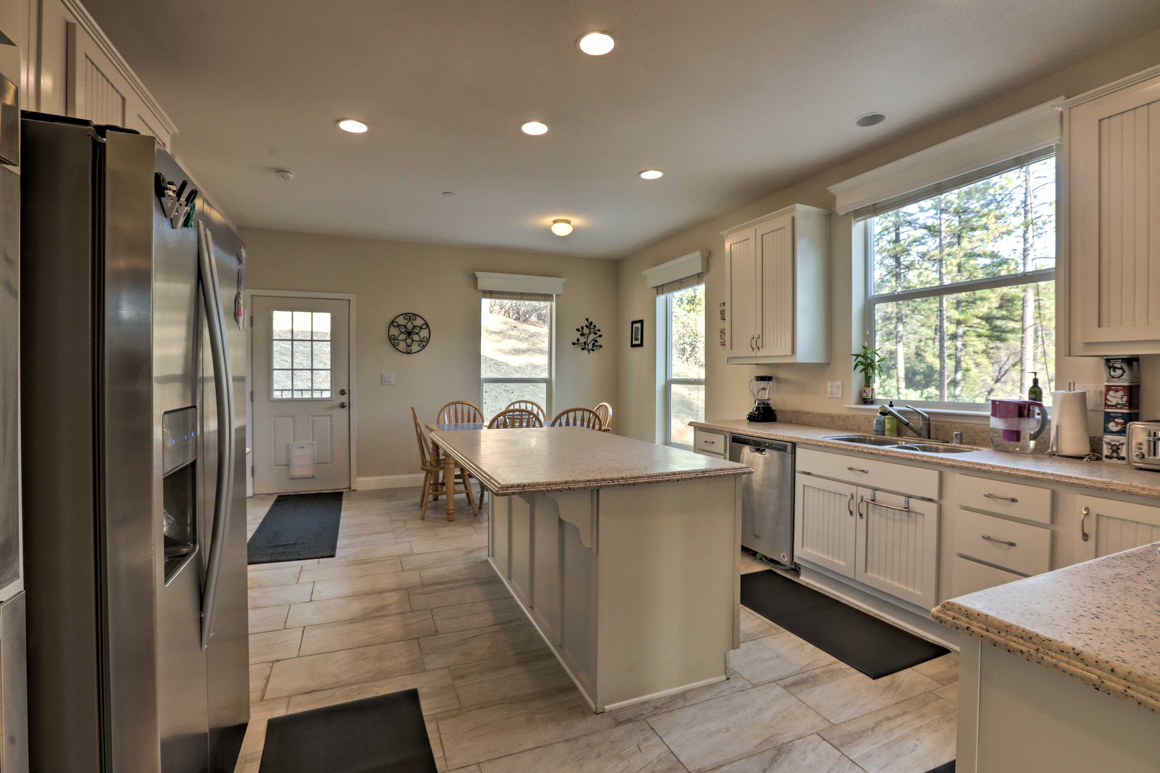 The spacious kitchen is a chef's dream!