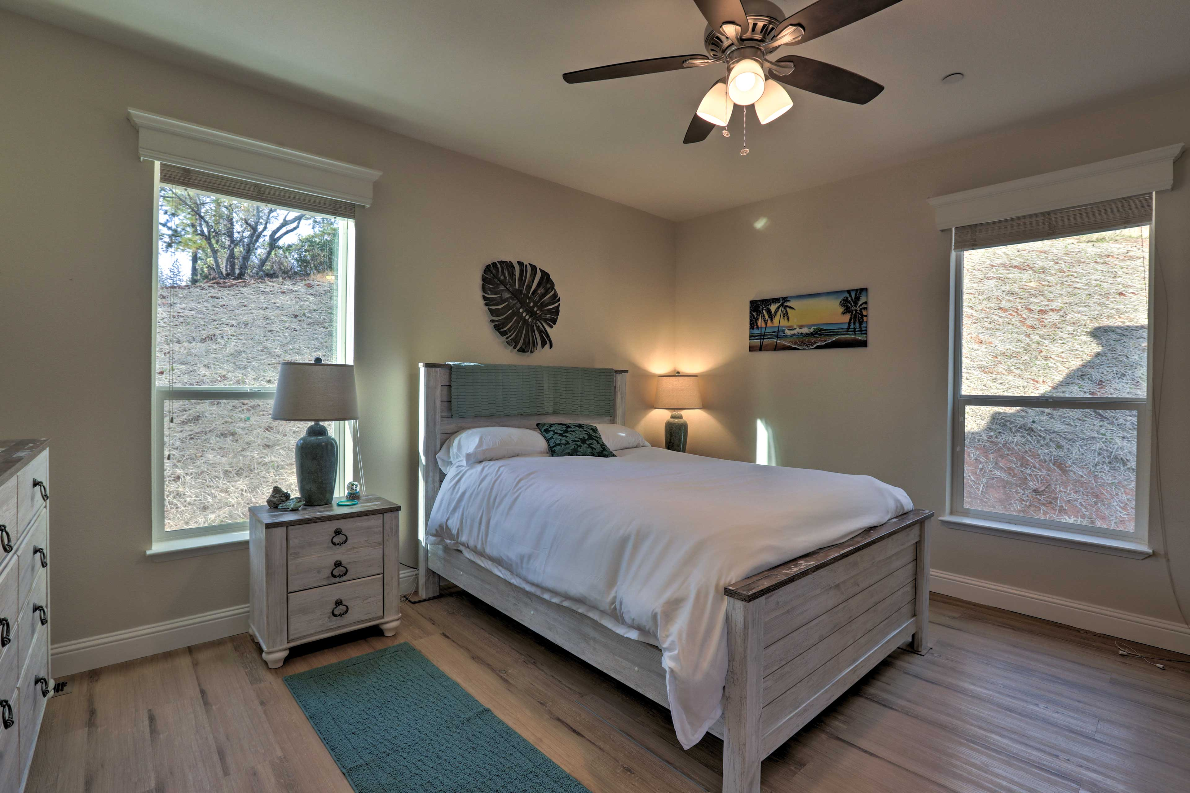 The home features 4 bedrooms, with additional sleeping using air mattresses.