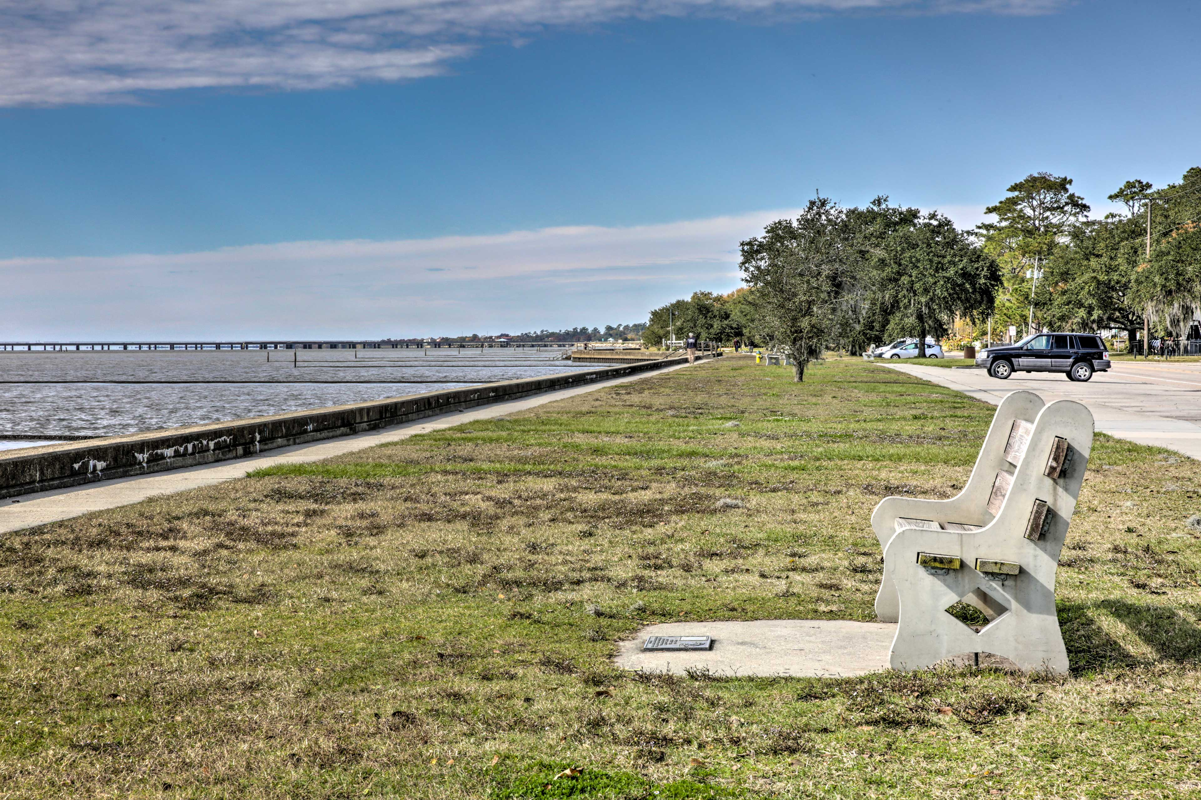 A 10-minute walk will have you soaking up the sun from this lakeside bench.