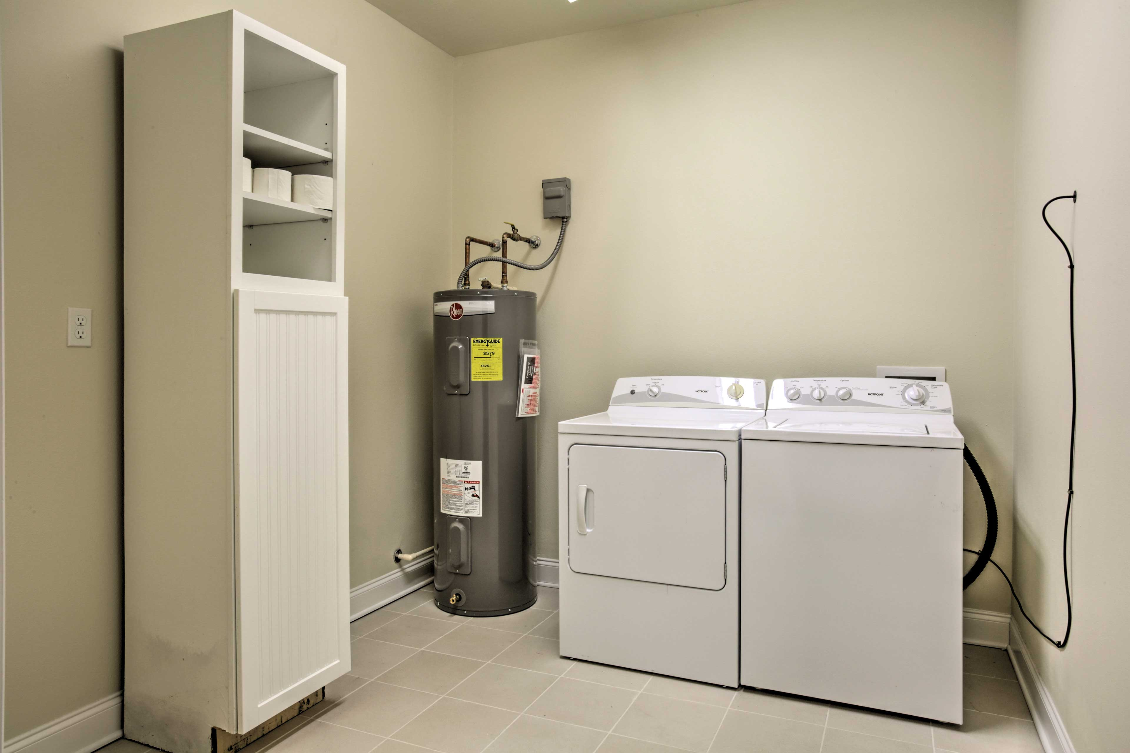Keep your suitcase light and clothing fresh with in-unit laundry machines.