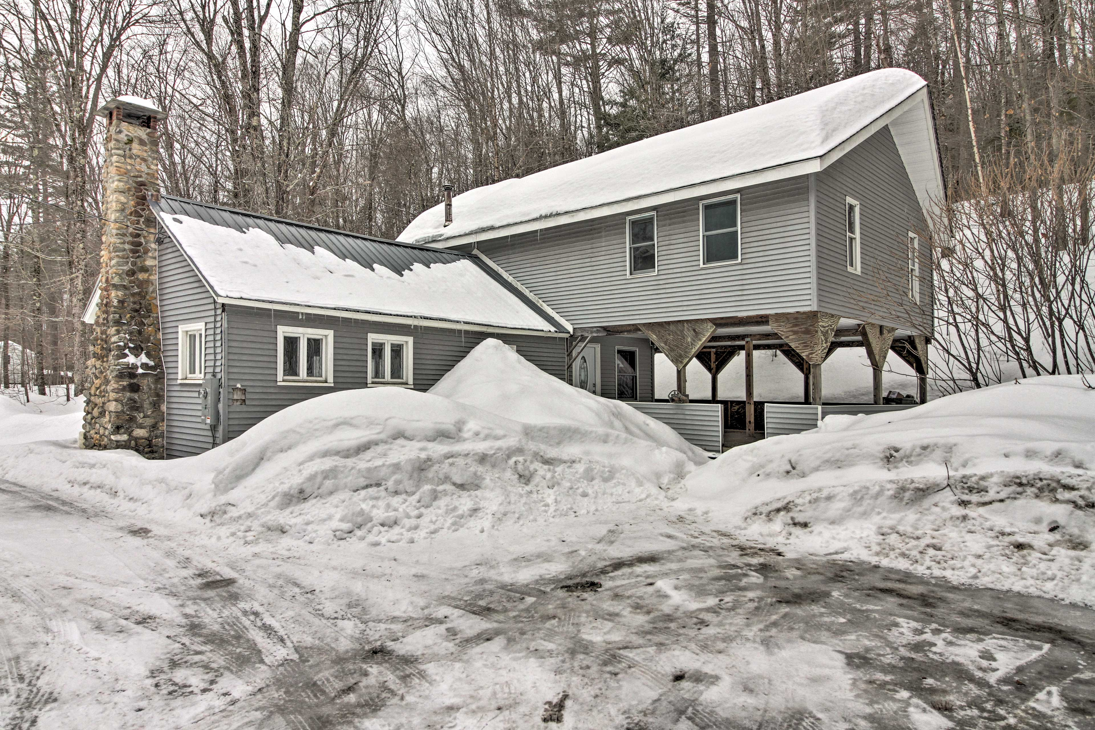 Sitting a short drive from ski resorts, this cozy home has it all!