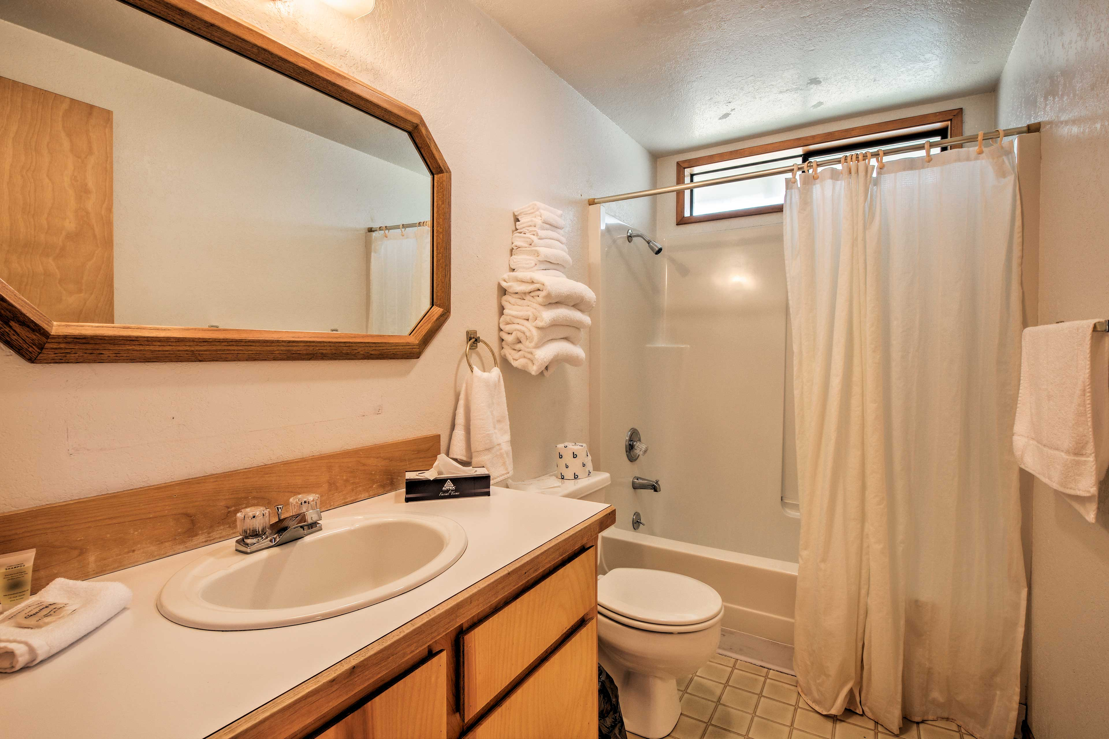 Towels and toiletries are provided at the cabin.