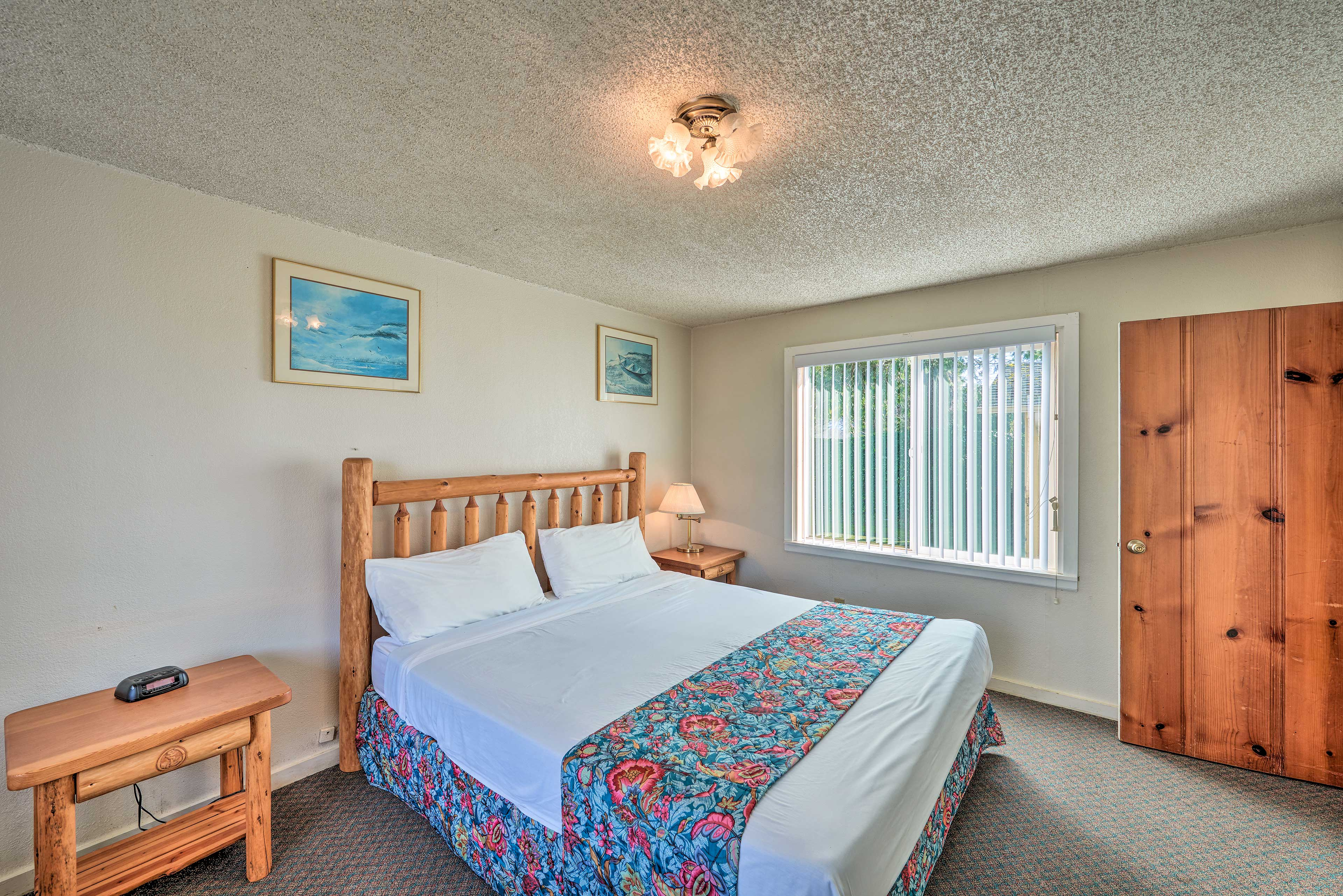 Perfect for couples, this room sleeps 2 in a queen bed.