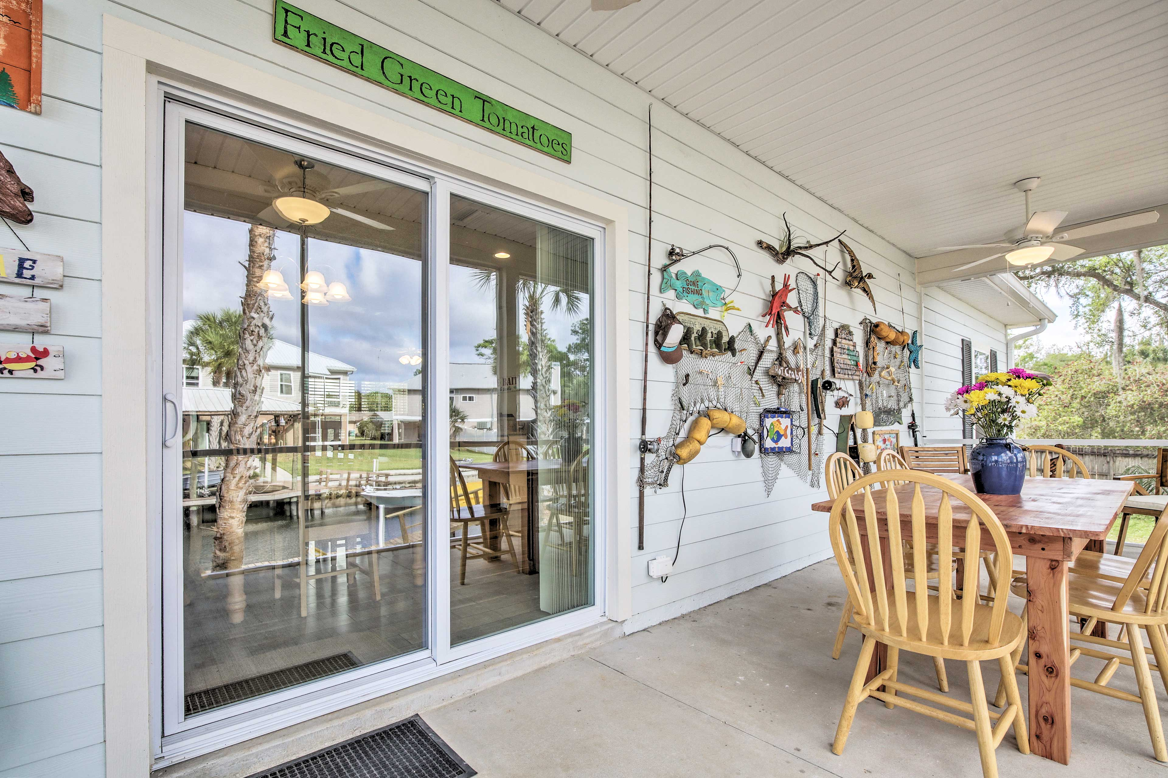You'll love these charming Florida vibes.