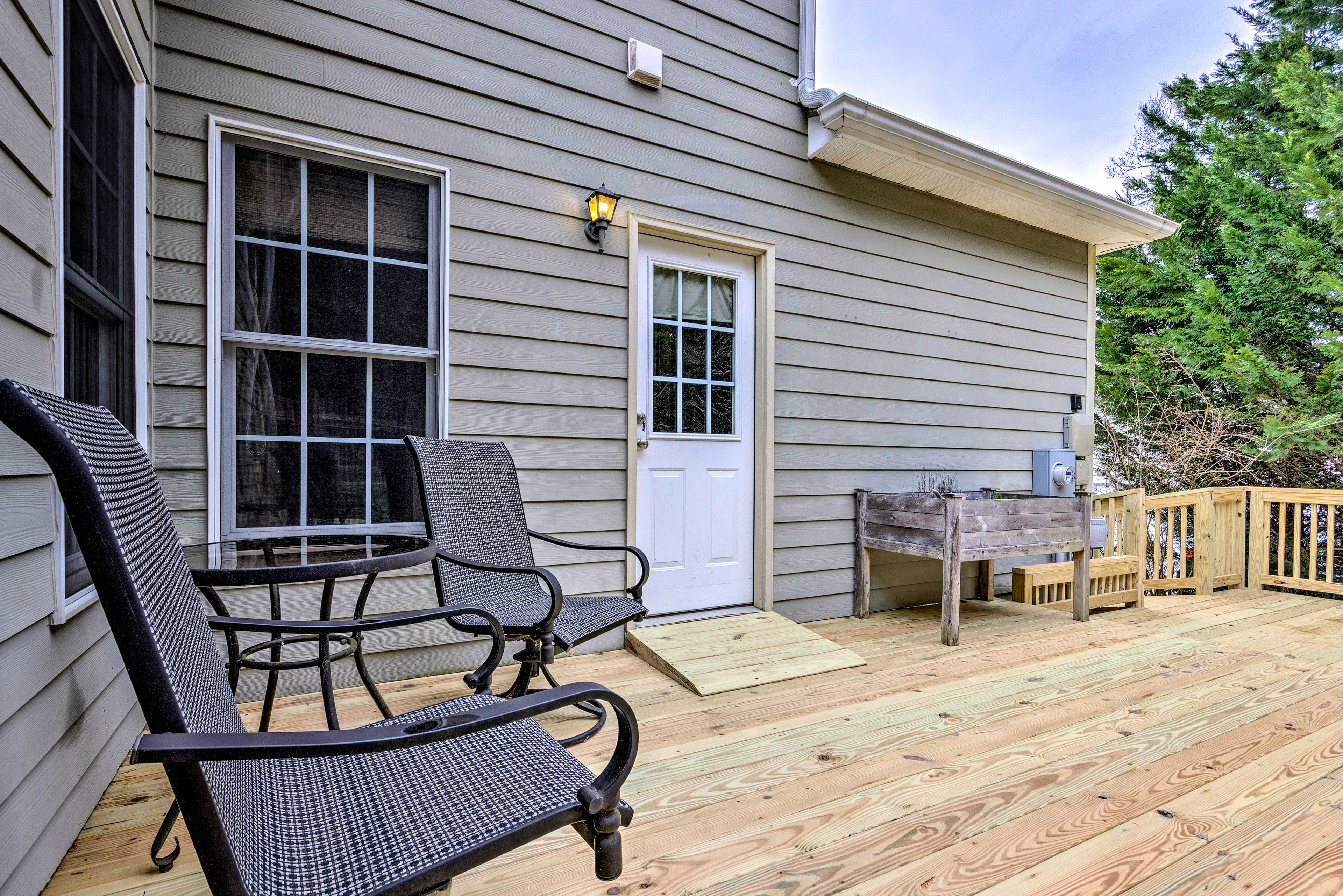 Spend sunny afternoons on the backyard deck!