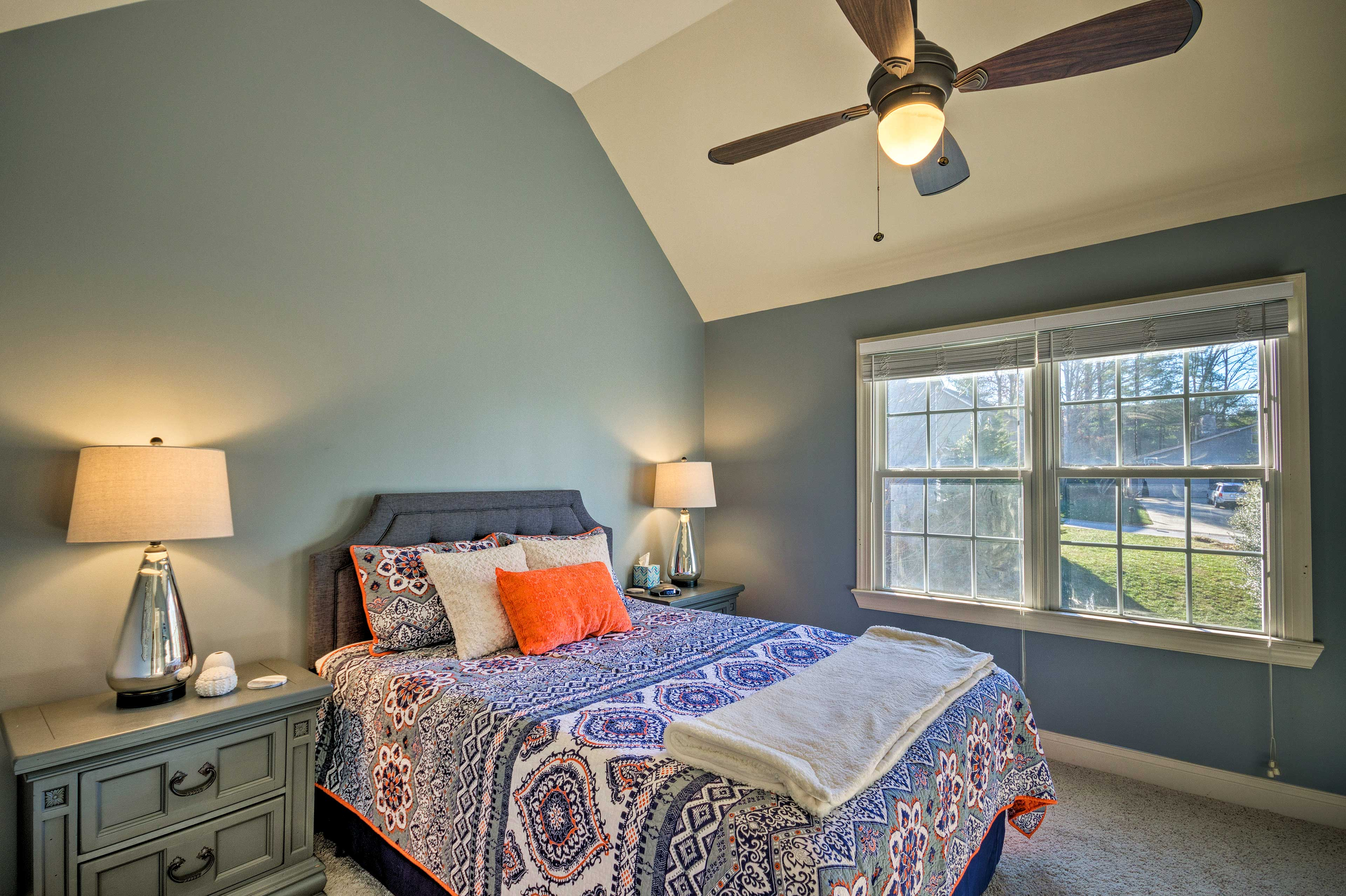 You're sure to get a great night's sleep in the second bedroom.