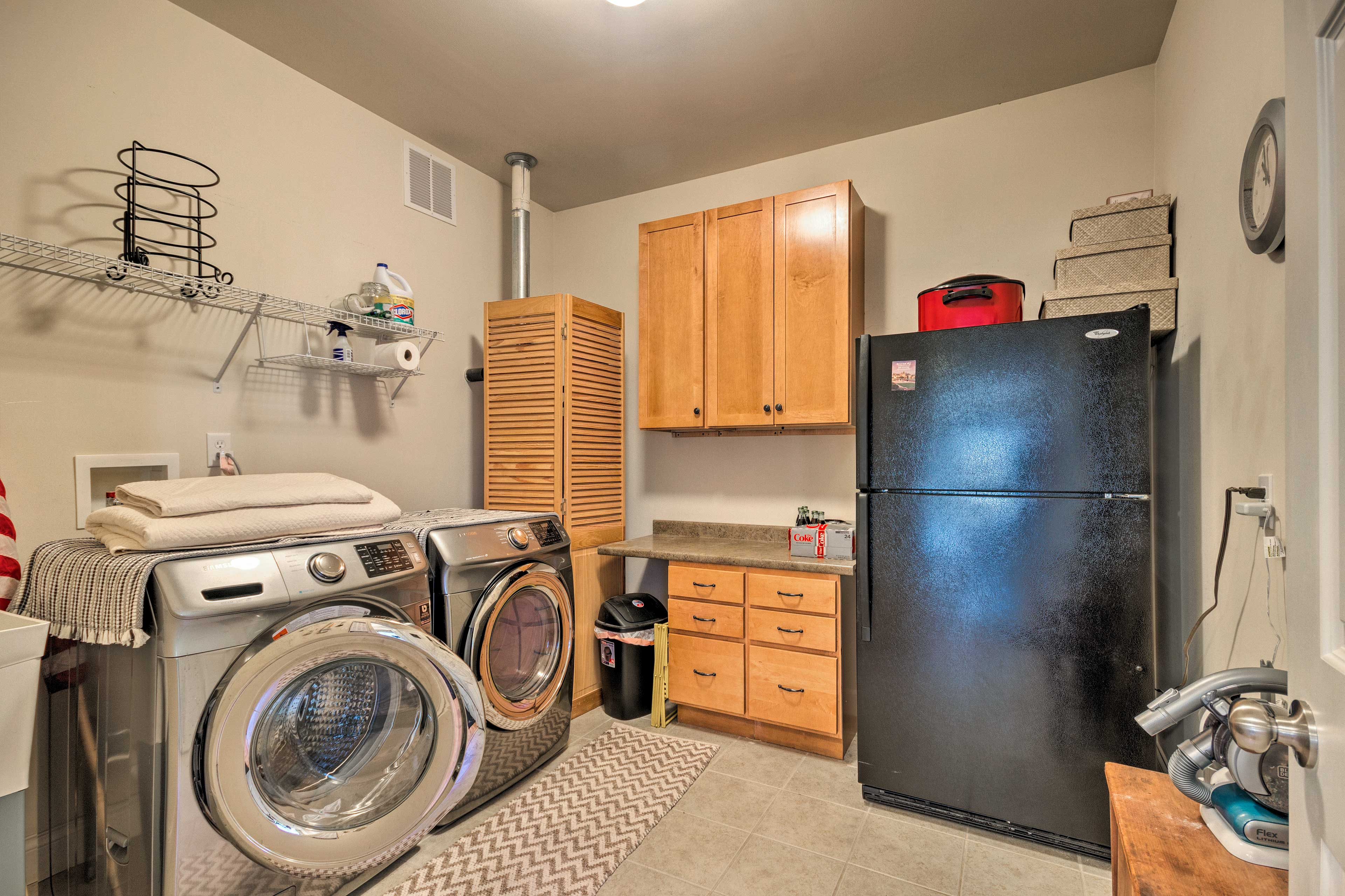 Enjoy the convenience of in-unit laundry machines.